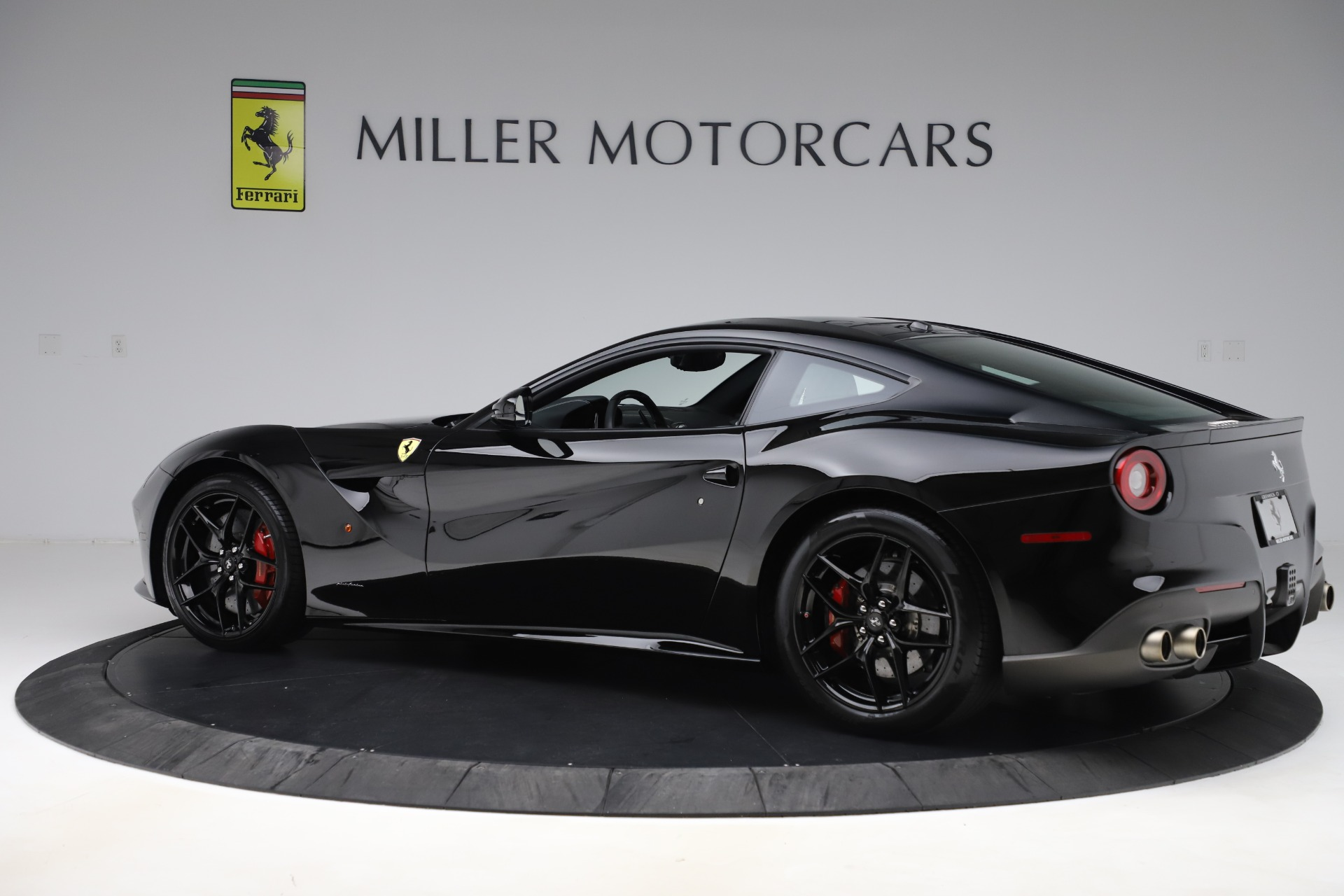 Used 2016 Ferrari F12 Berlinetta  For Sale In Westport, CT 1008_p4