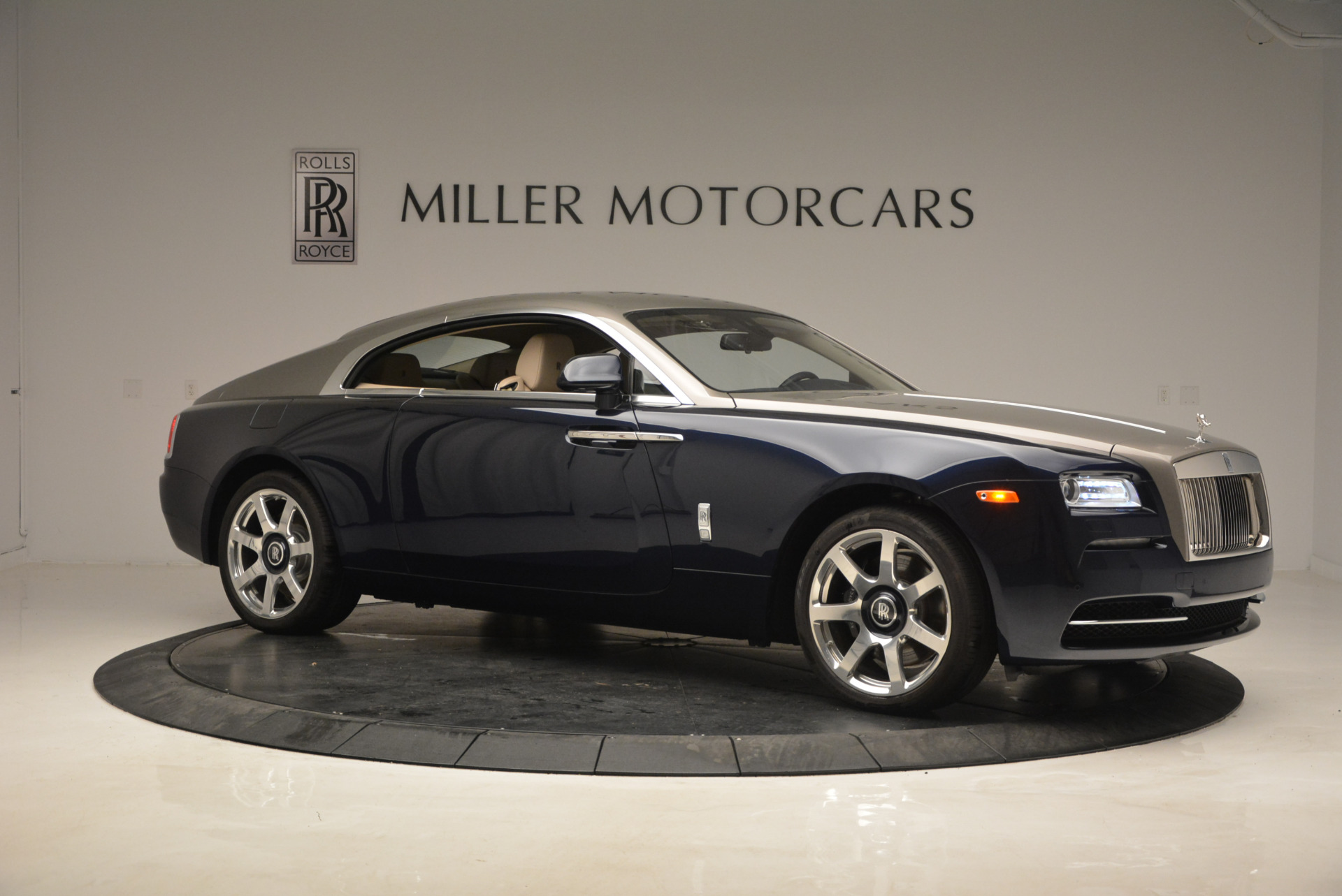 Used 2015 Rolls-Royce Wraith  For Sale In Westport, CT 1013_p10