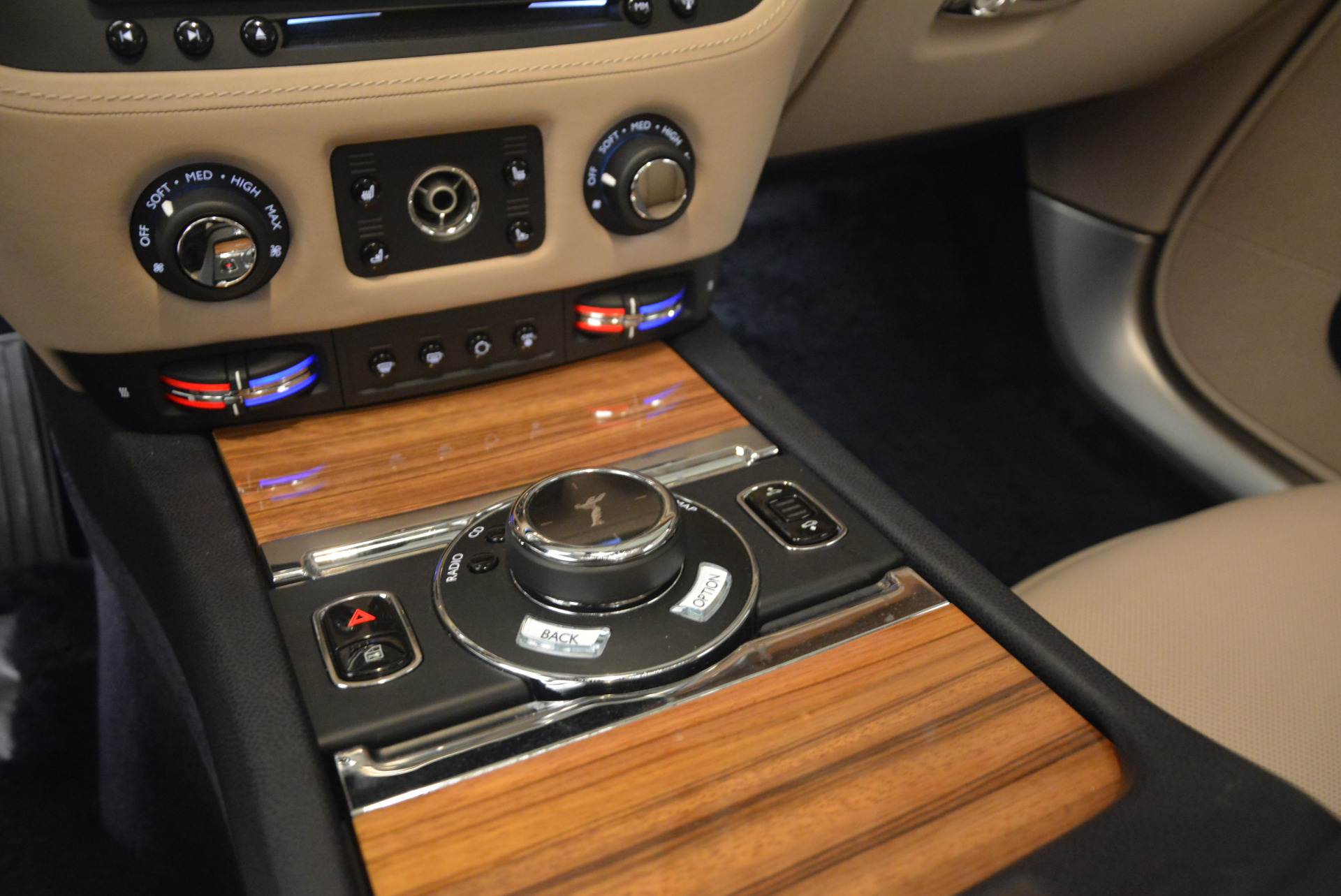 Used 2015 Rolls-Royce Wraith  For Sale In Westport, CT 1013_p21