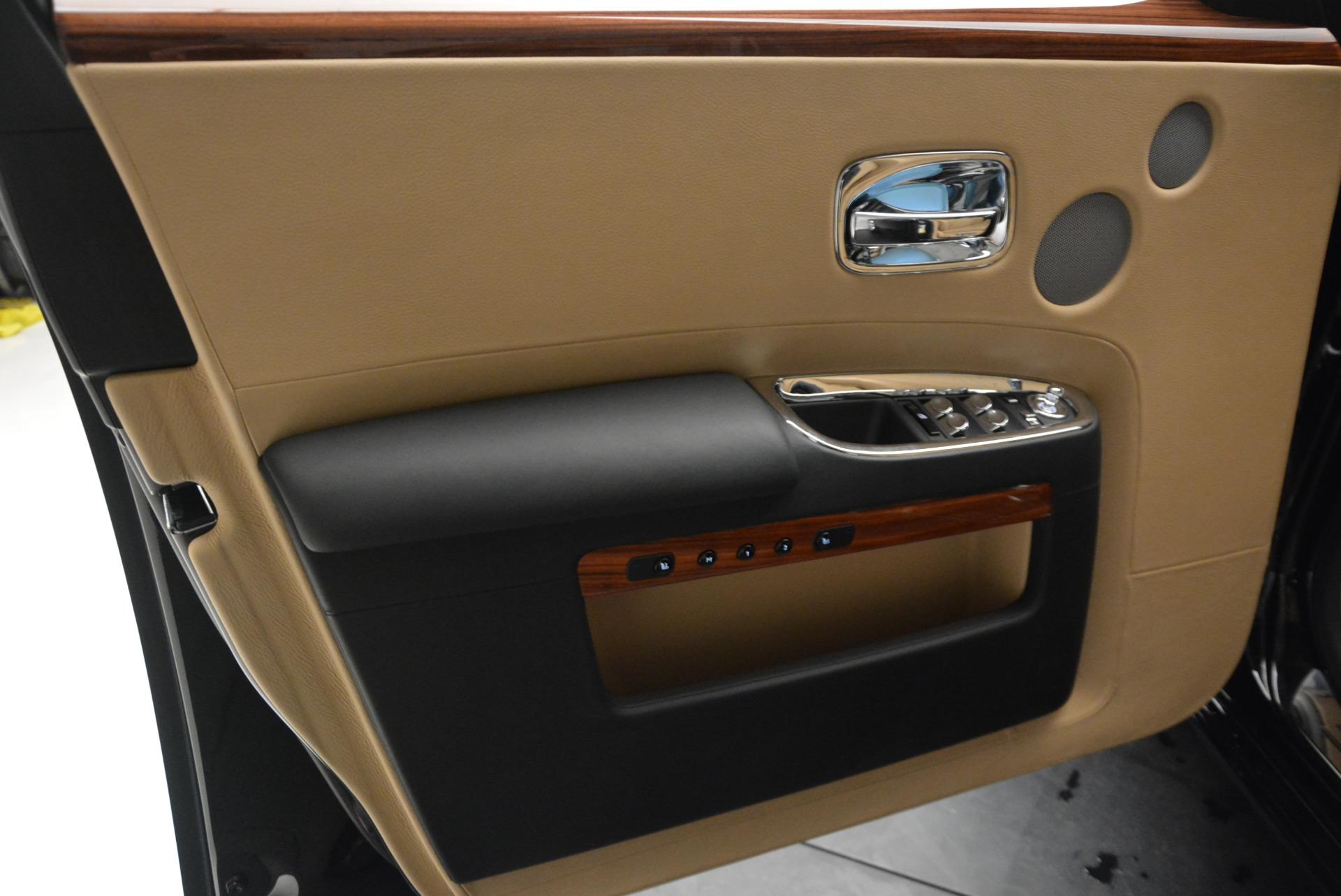 Used 2013 Rolls-Royce Ghost  For Sale In Westport, CT 1014_p16