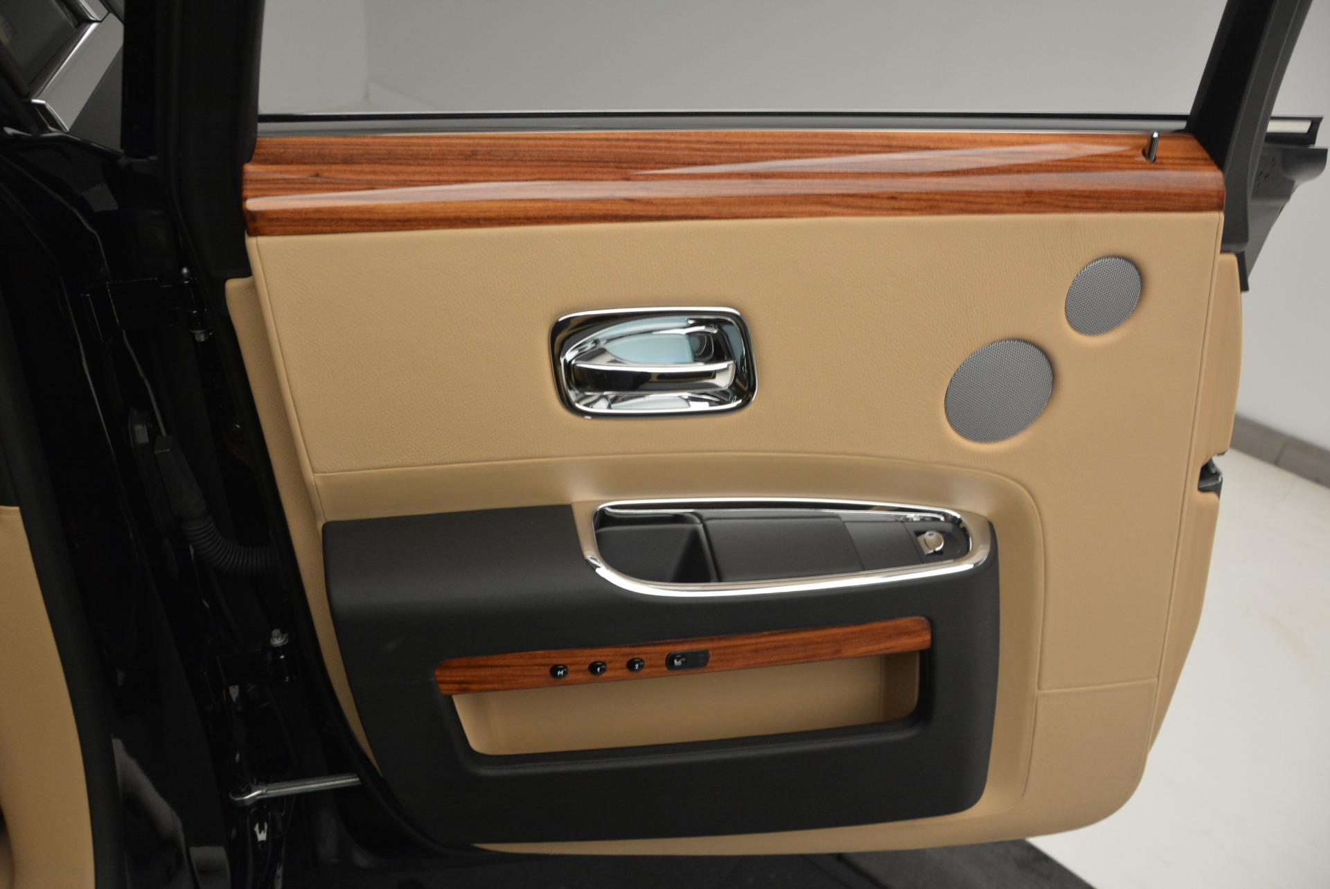 Used 2013 Rolls-Royce Ghost  For Sale In Westport, CT 1014_p19