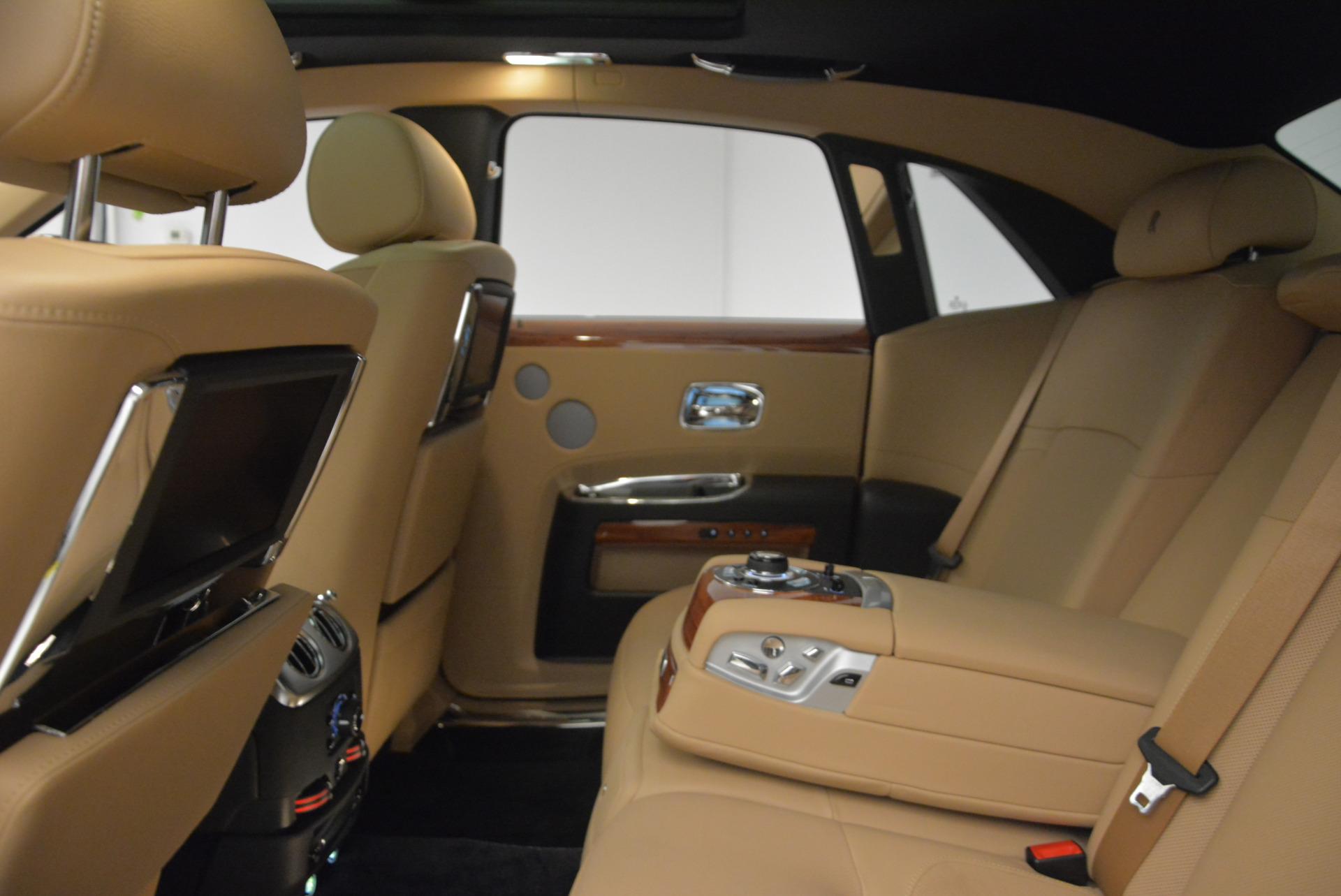 Used 2013 Rolls-Royce Ghost  For Sale In Westport, CT 1014_p21