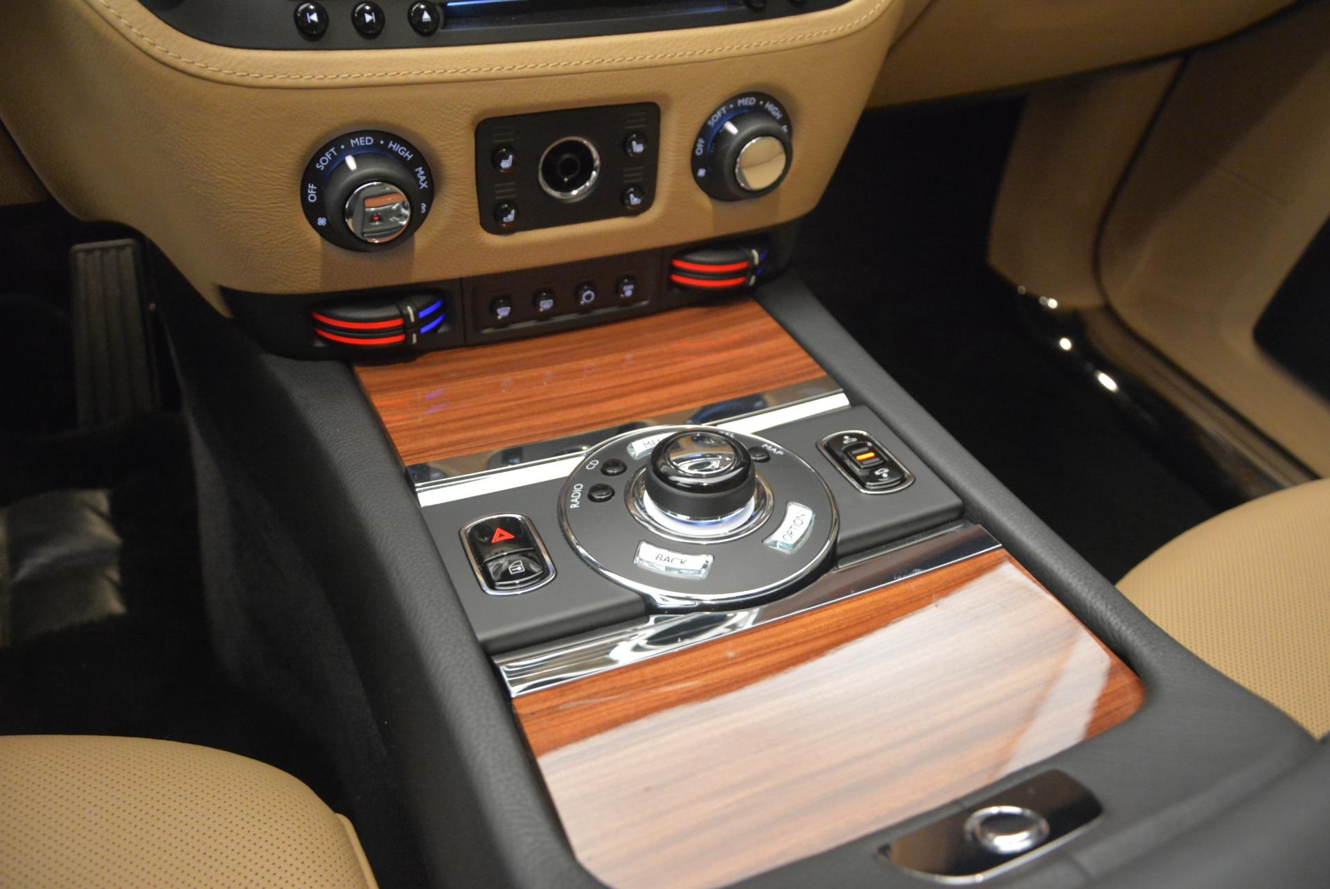 Used 2013 Rolls-Royce Ghost  For Sale In Westport, CT 1014_p25