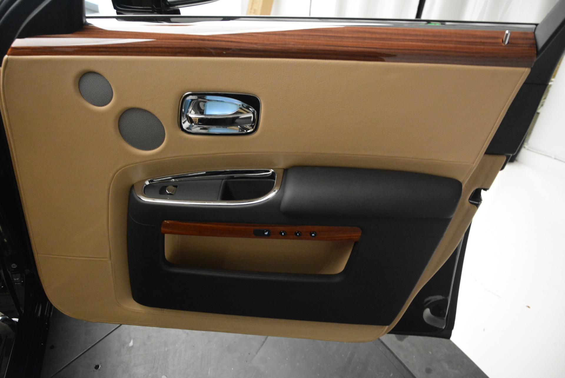 Used 2013 Rolls-Royce Ghost  For Sale In Westport, CT 1014_p27
