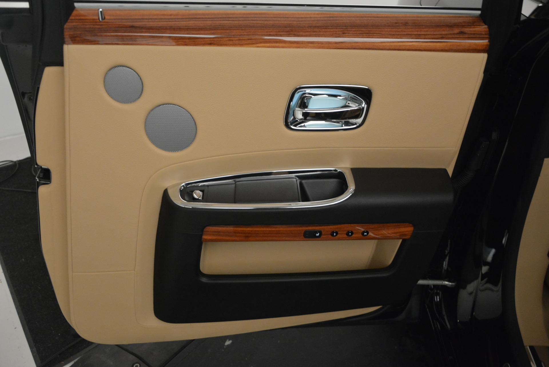 Used 2013 Rolls-Royce Ghost  For Sale In Westport, CT 1014_p29