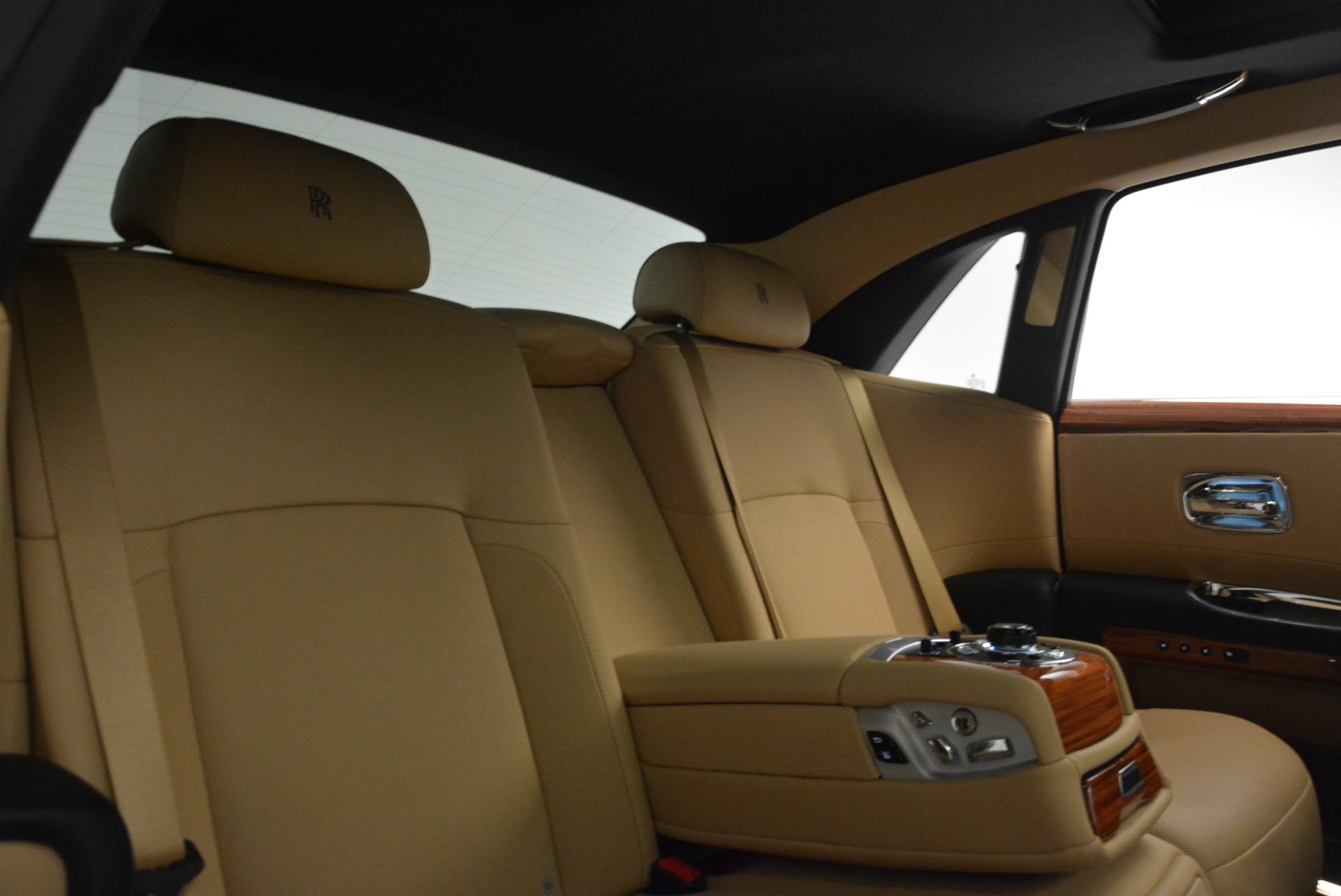 Used 2013 Rolls-Royce Ghost  For Sale In Westport, CT 1014_p31