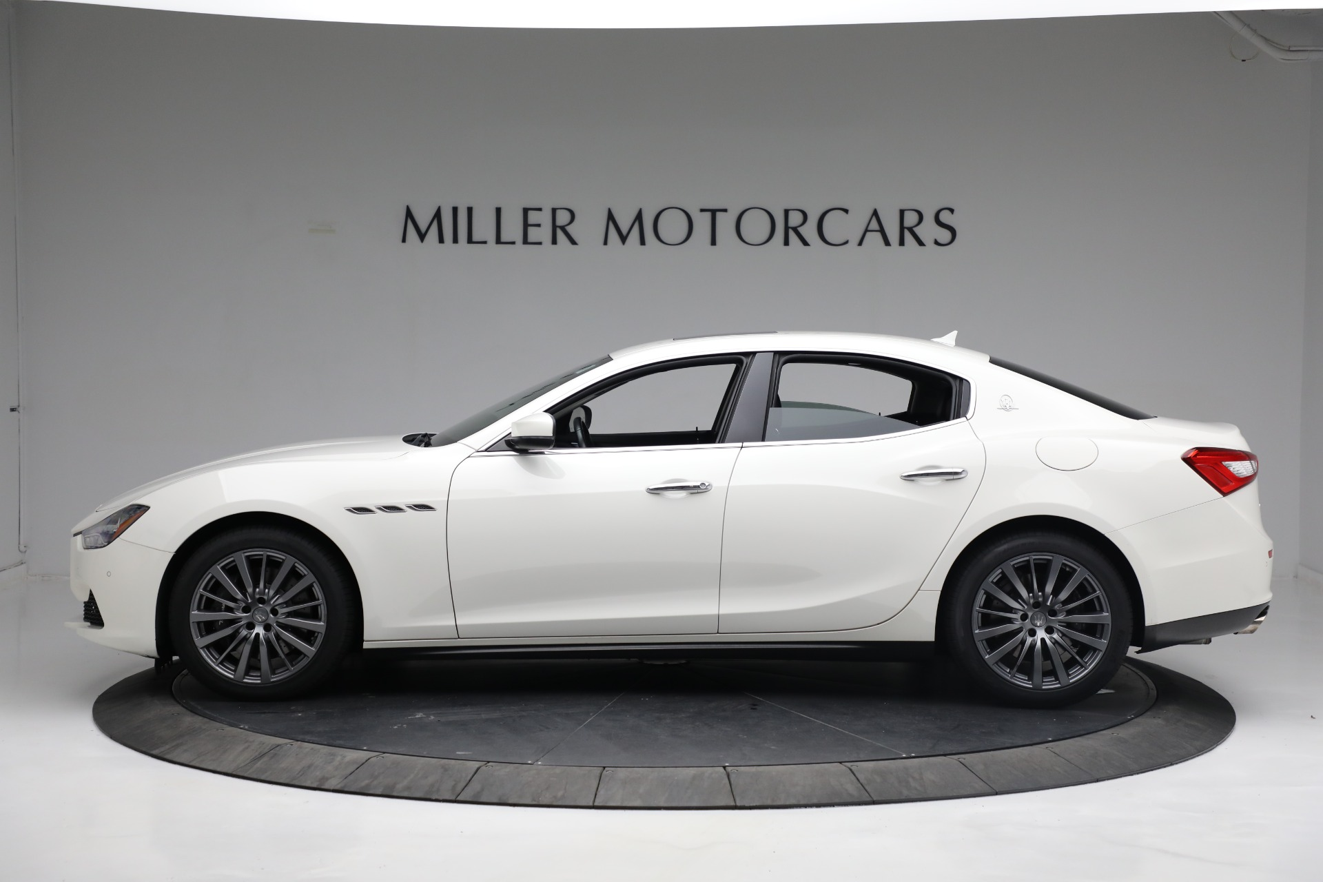 New 2017 Maserati Ghibli S Q4 EX-Loaner For Sale In Westport, CT 1019_p3