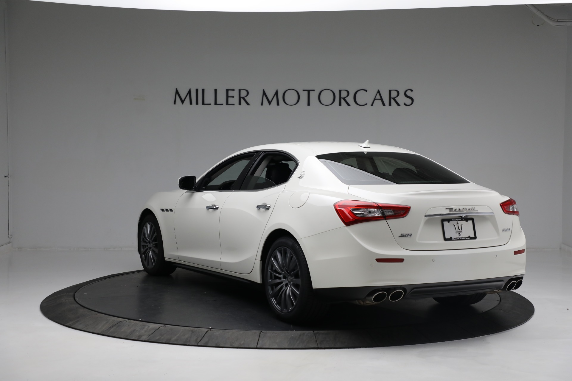 New 2017 Maserati Ghibli S Q4 EX-Loaner For Sale In Westport, CT 1019_p5