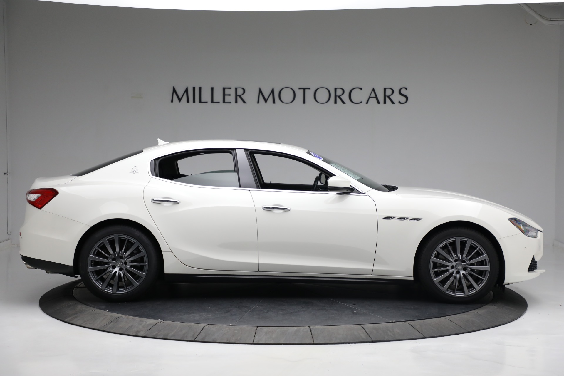 New 2017 Maserati Ghibli S Q4 EX-Loaner For Sale In Westport, CT 1019_p9