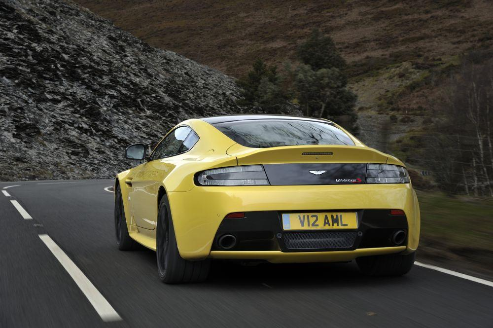 New 2017 Aston Martin V12 Vantage S  For Sale In Westport, CT 102_p6