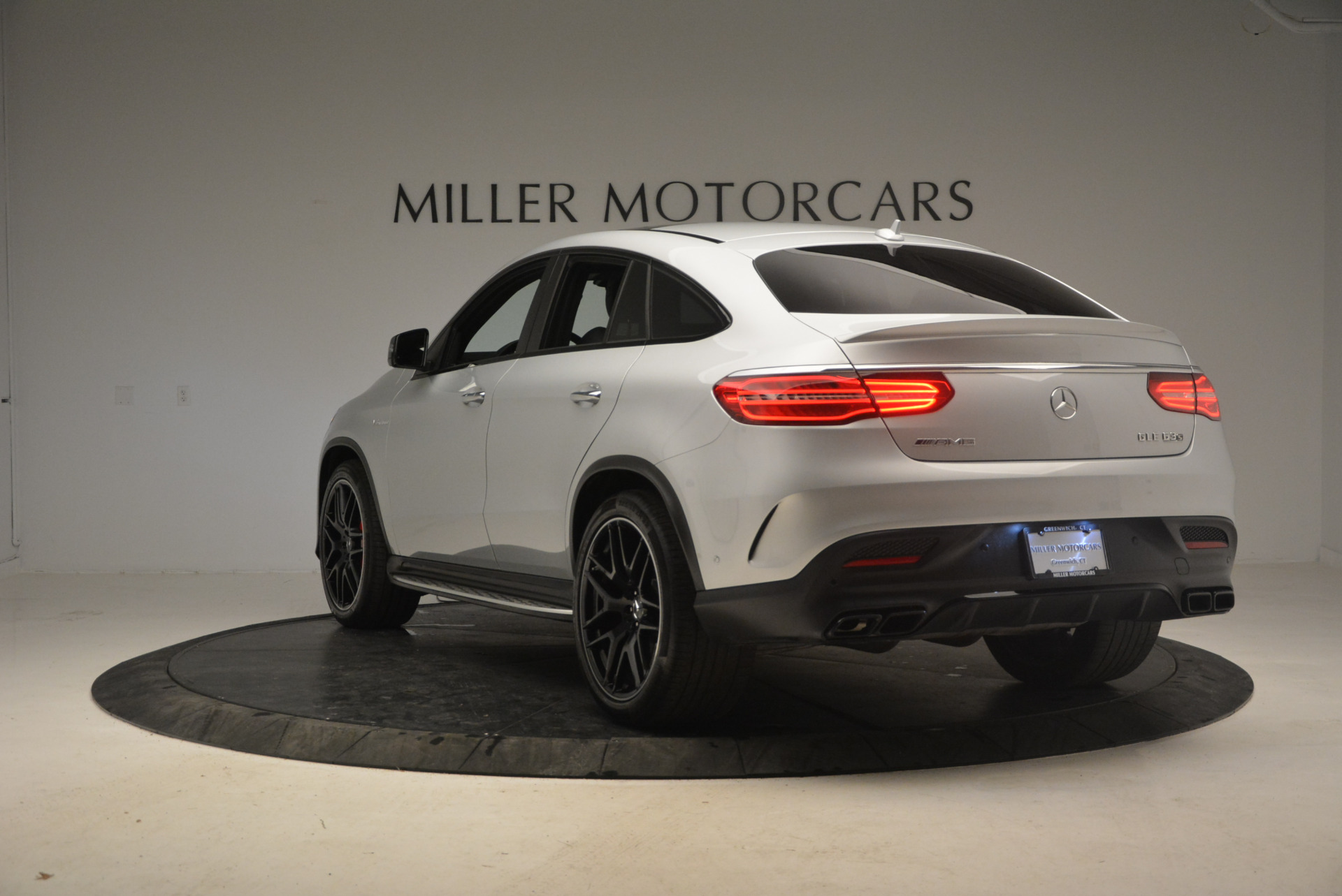 Used 2016 Mercedes Benz AMG GLE63 S For Sale In Westport, CT 1025_p5