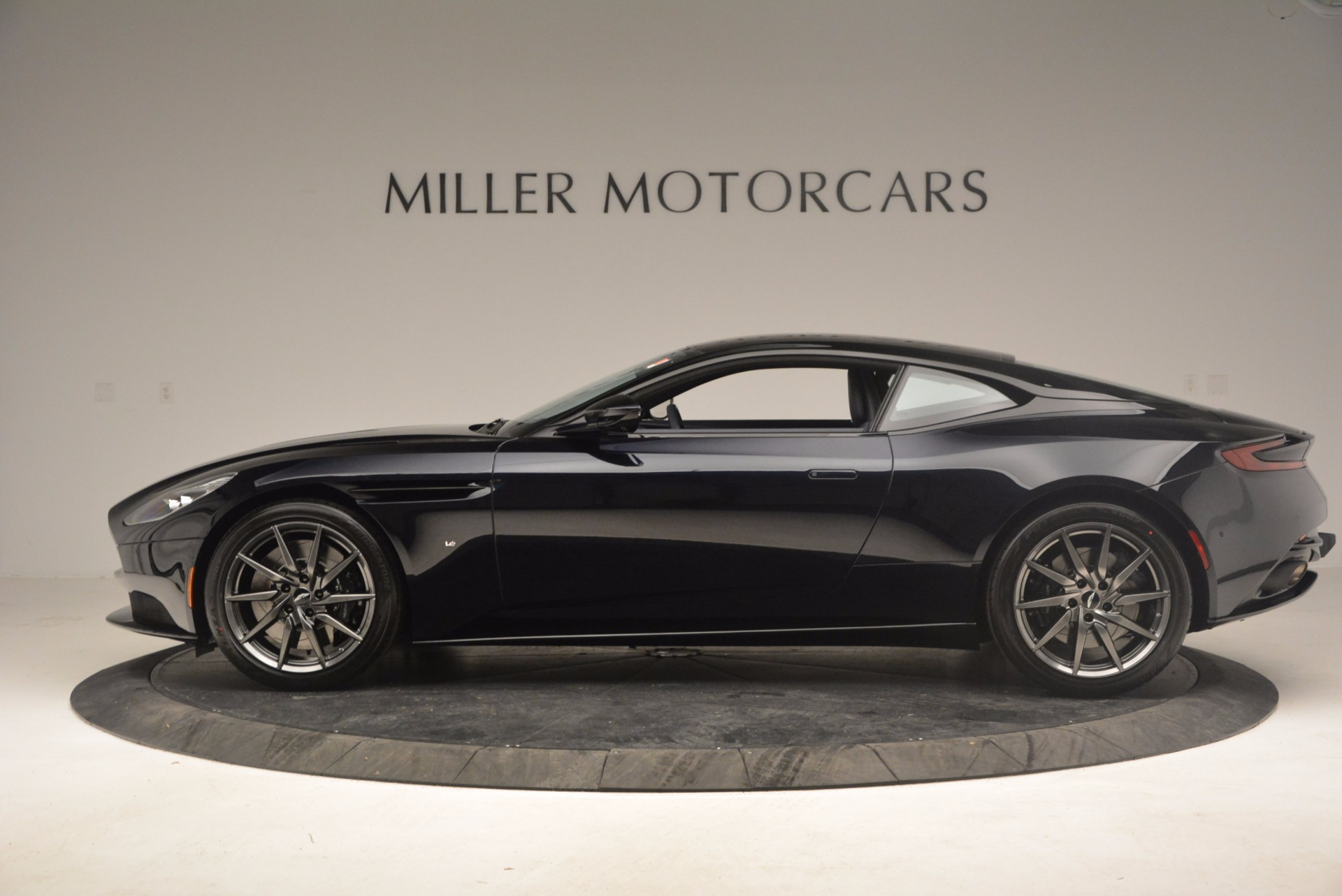 Used 2017 Aston Martin DB11 V12 Coupe For Sale In Westport, CT 1026_p3
