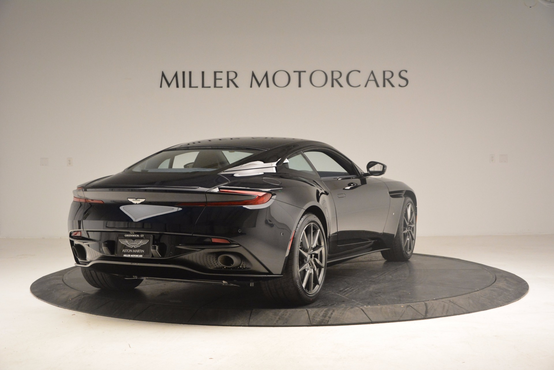 Used 2017 Aston Martin DB11 V12 Coupe For Sale In Westport, CT 1026_p7
