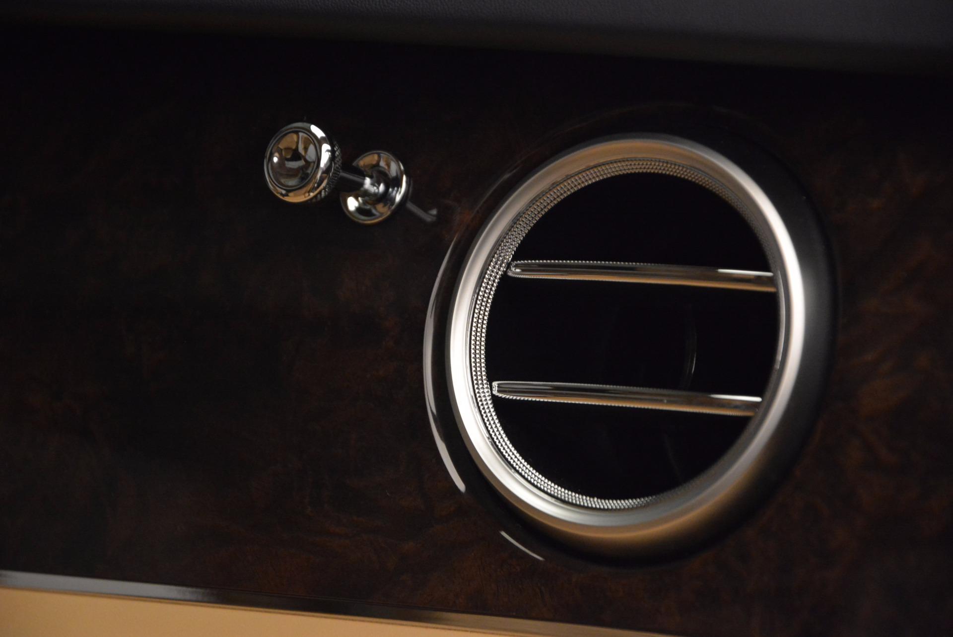 Used 2017 Bentley Bentayga W12 For Sale In Westport, CT 1077_p23