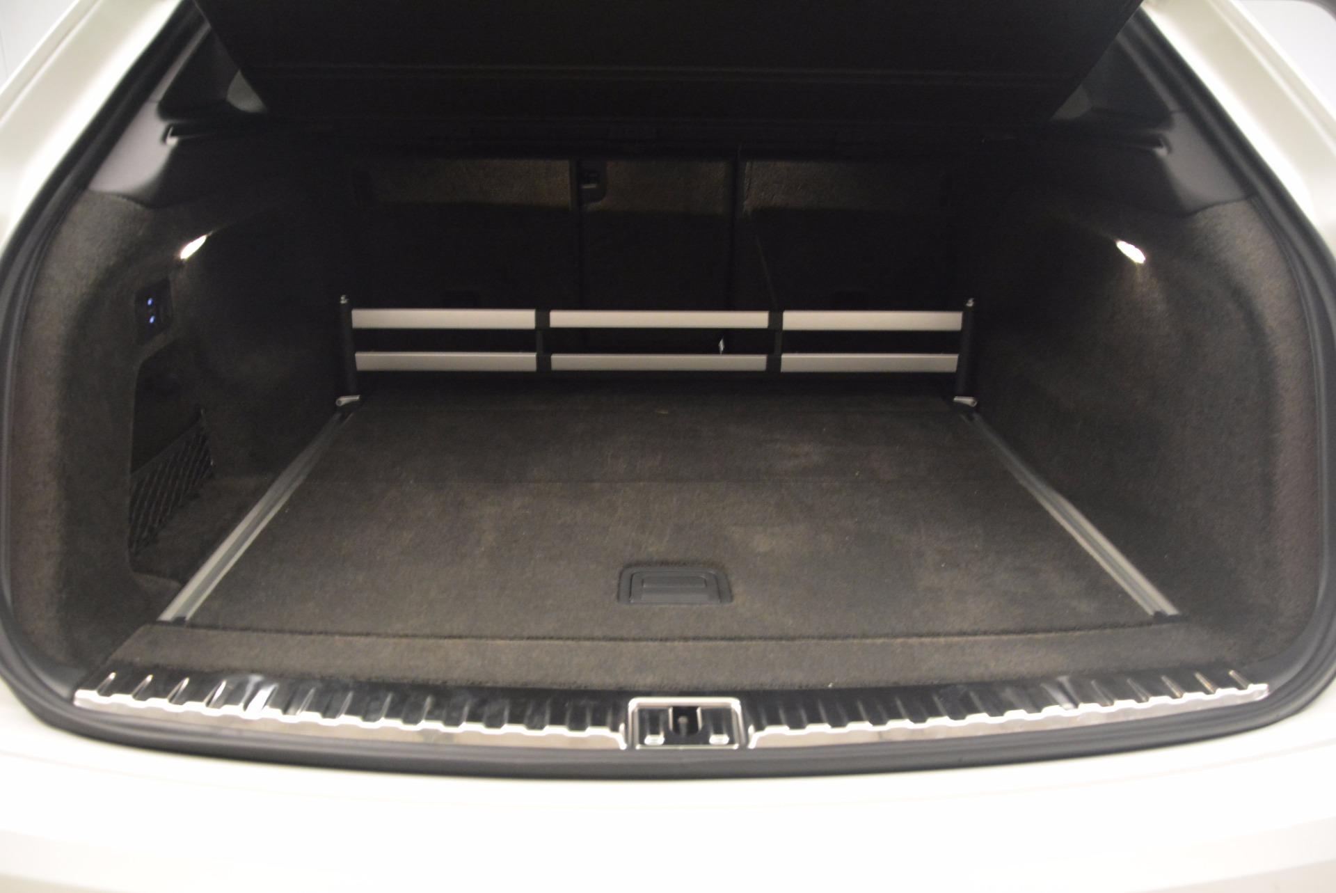 Used 2017 Bentley Bentayga  For Sale In Westport, CT 1091_p37