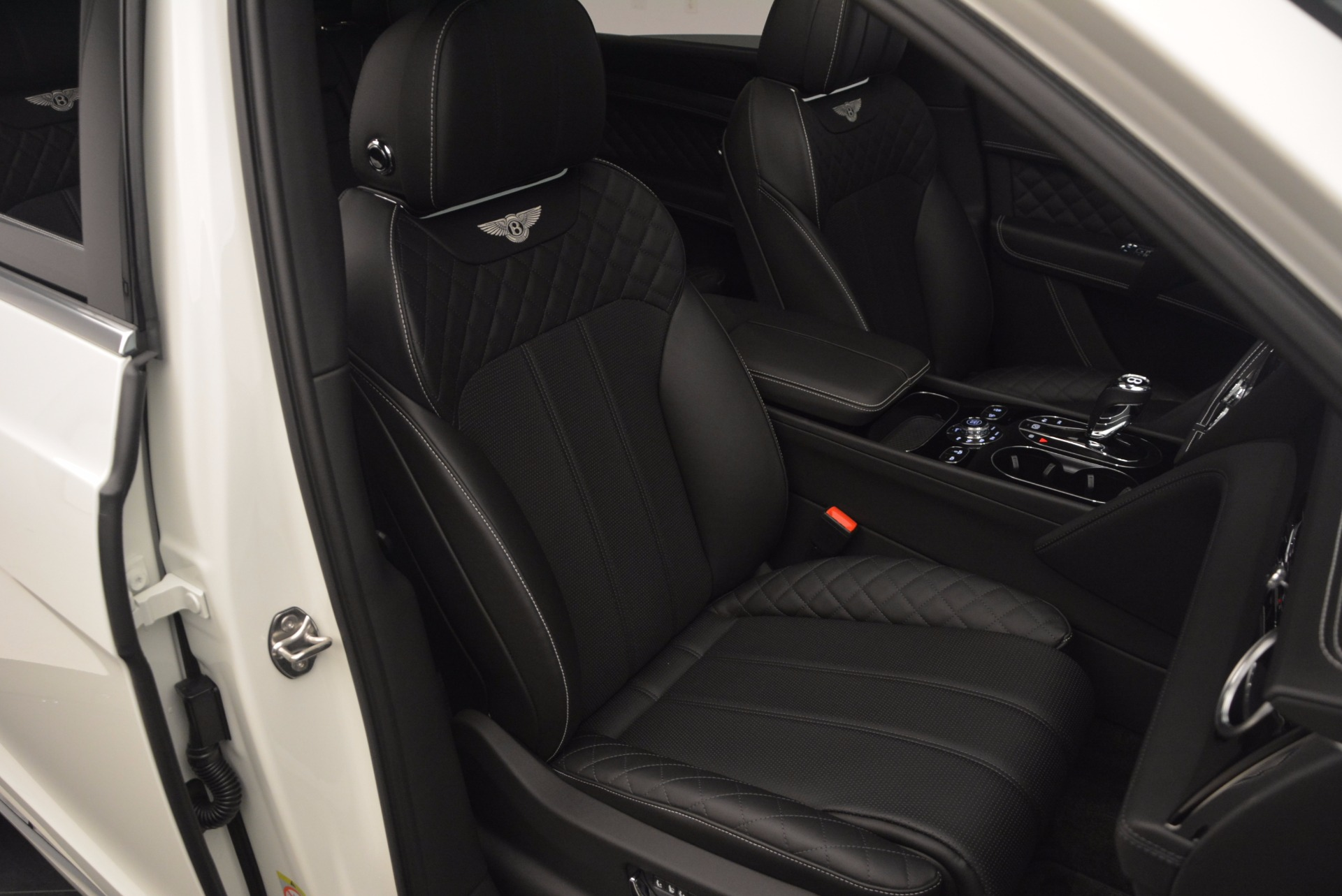 Used 2017 Bentley Bentayga  For Sale In Westport, CT 1091_p43