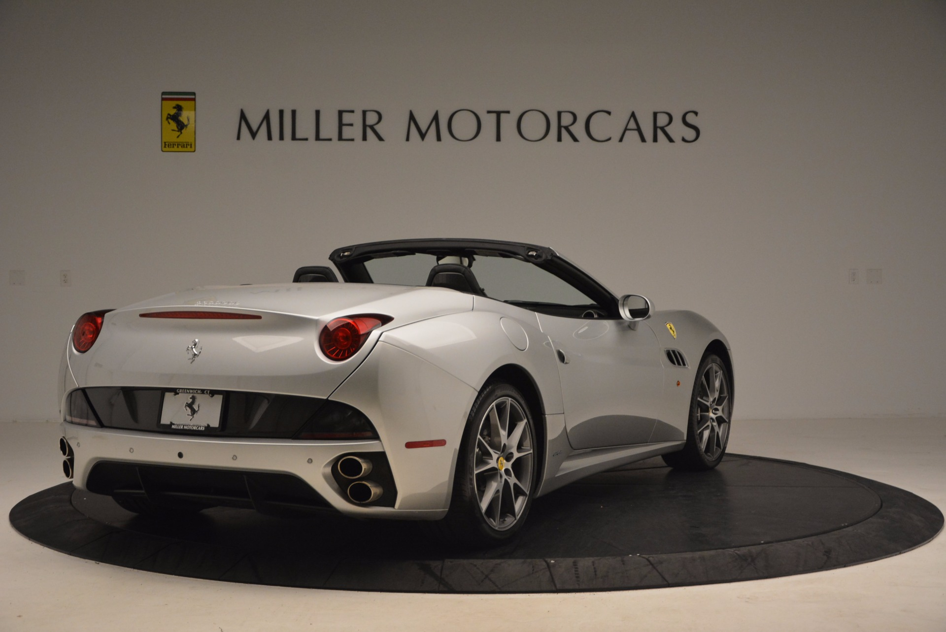 Used 2012 Ferrari California  For Sale In Westport, CT 1098_p7