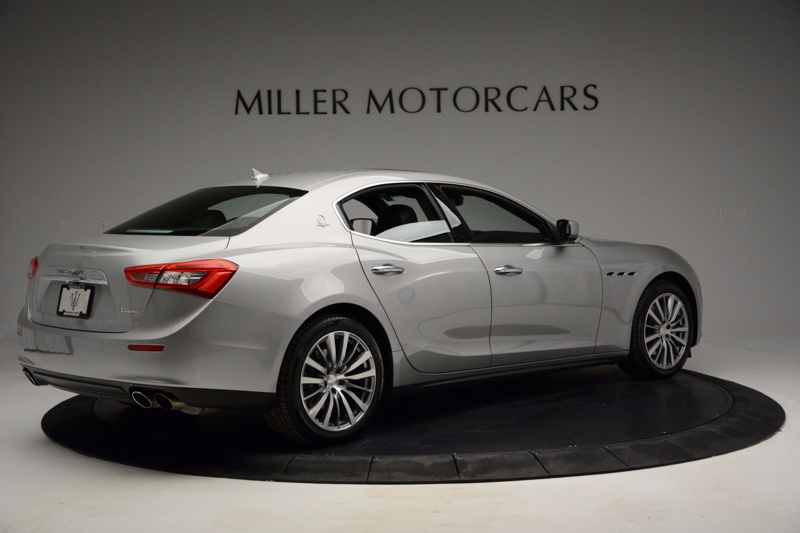 Used 2014 Maserati Ghibli  For Sale In Westport, CT 1099_p7