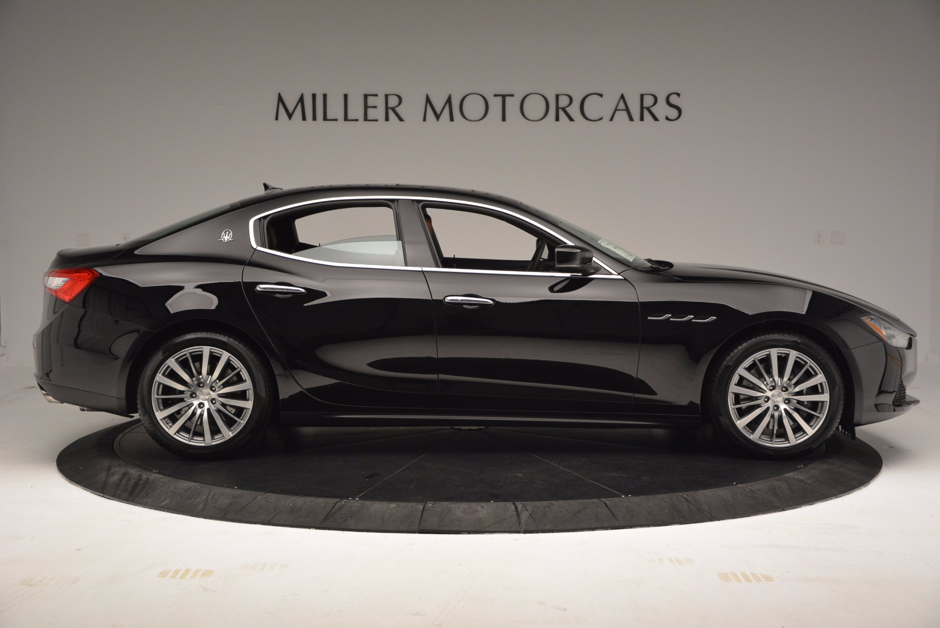 New 2017 Maserati Ghibli S Q4 EX-LOANER For Sale In Westport, CT 1115_p9