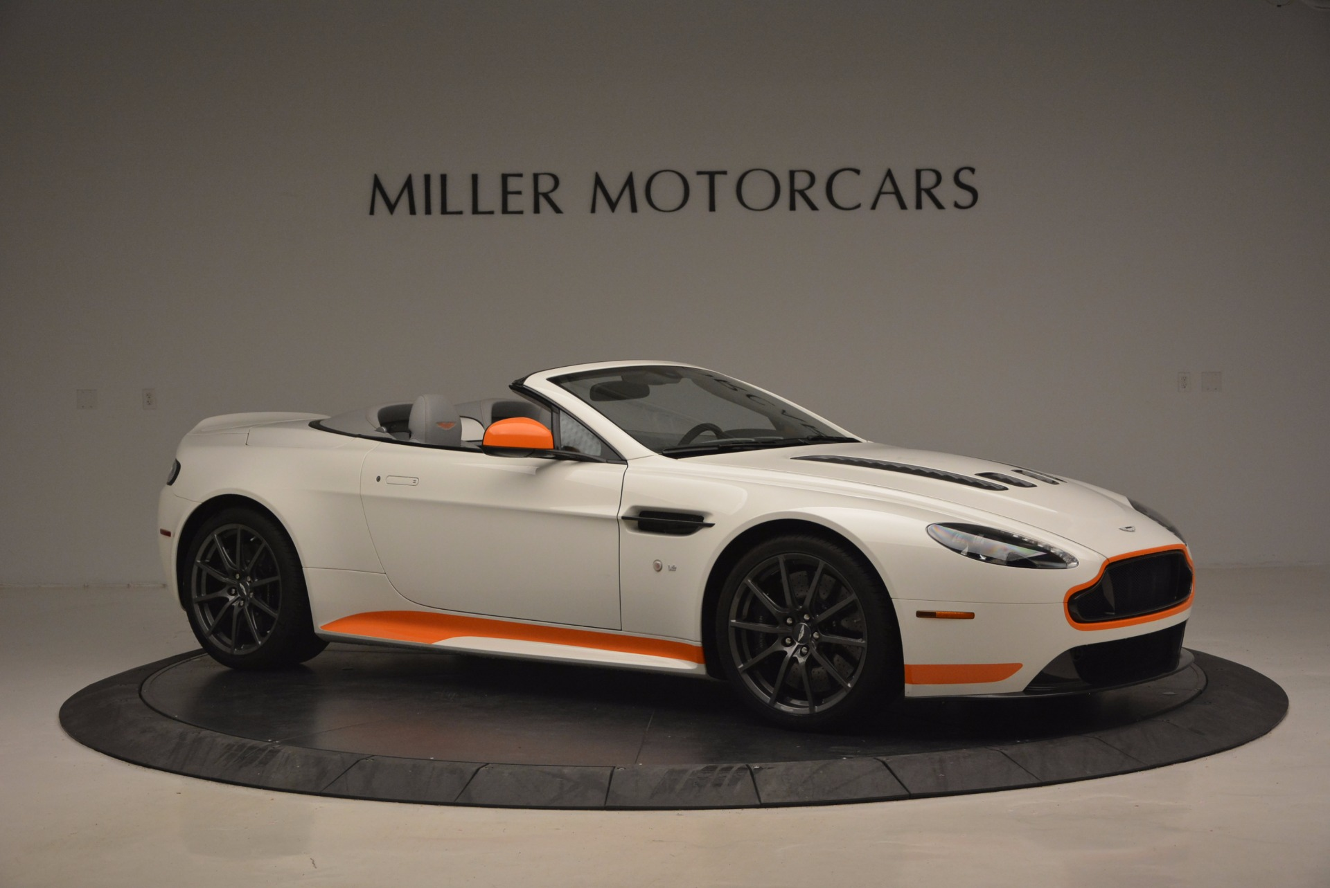 Used 2017 Aston Martin V12 Vantage S Convertible For Sale In Westport, CT 1134_p10