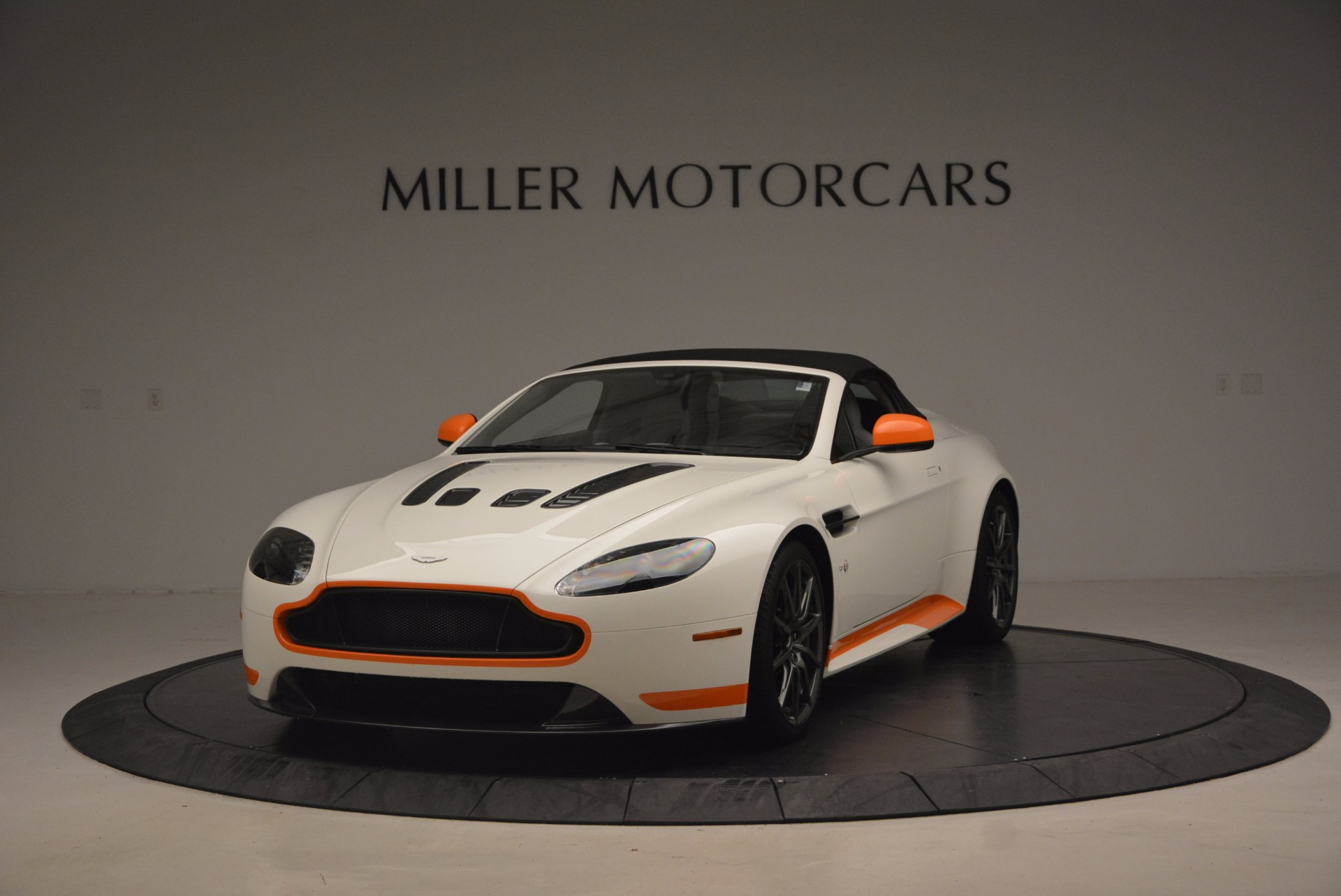 Used 2017 Aston Martin V12 Vantage S Convertible For Sale In Westport, CT 1134_p13