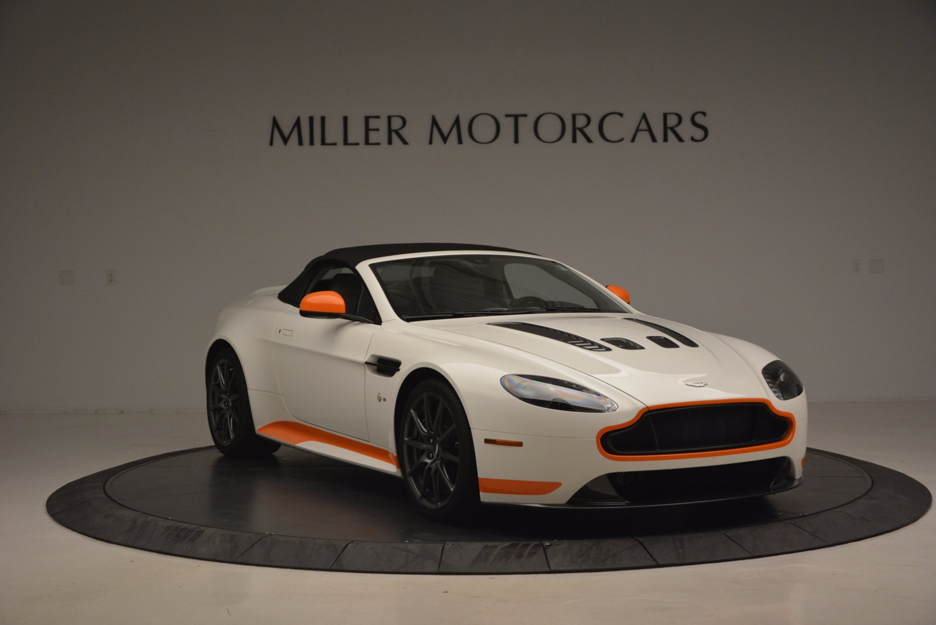 Used 2017 Aston Martin V12 Vantage S Convertible For Sale In Westport, CT 1134_p23