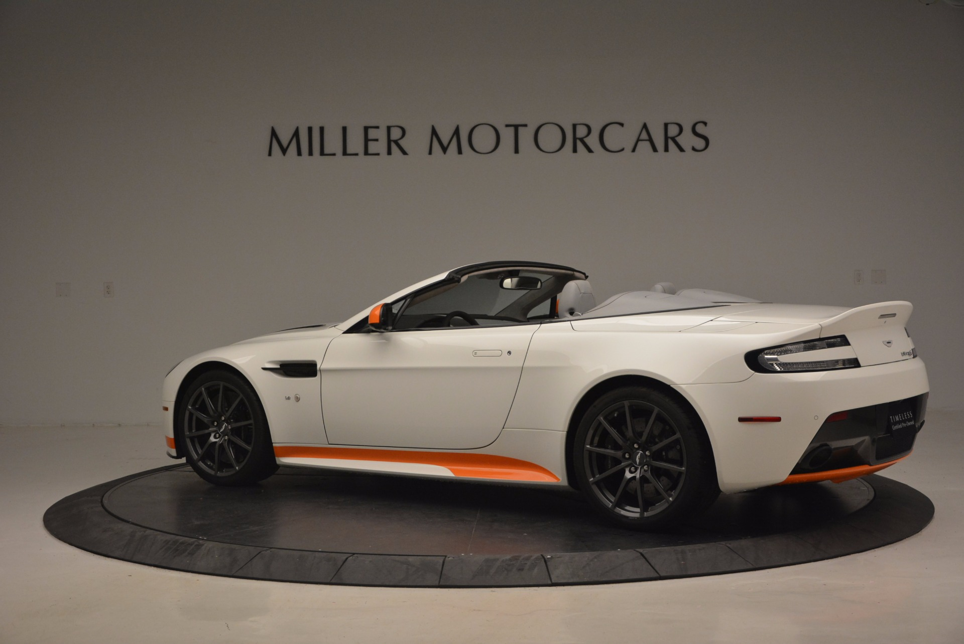 Used 2017 Aston Martin V12 Vantage S Convertible For Sale In Westport, CT 1134_p4