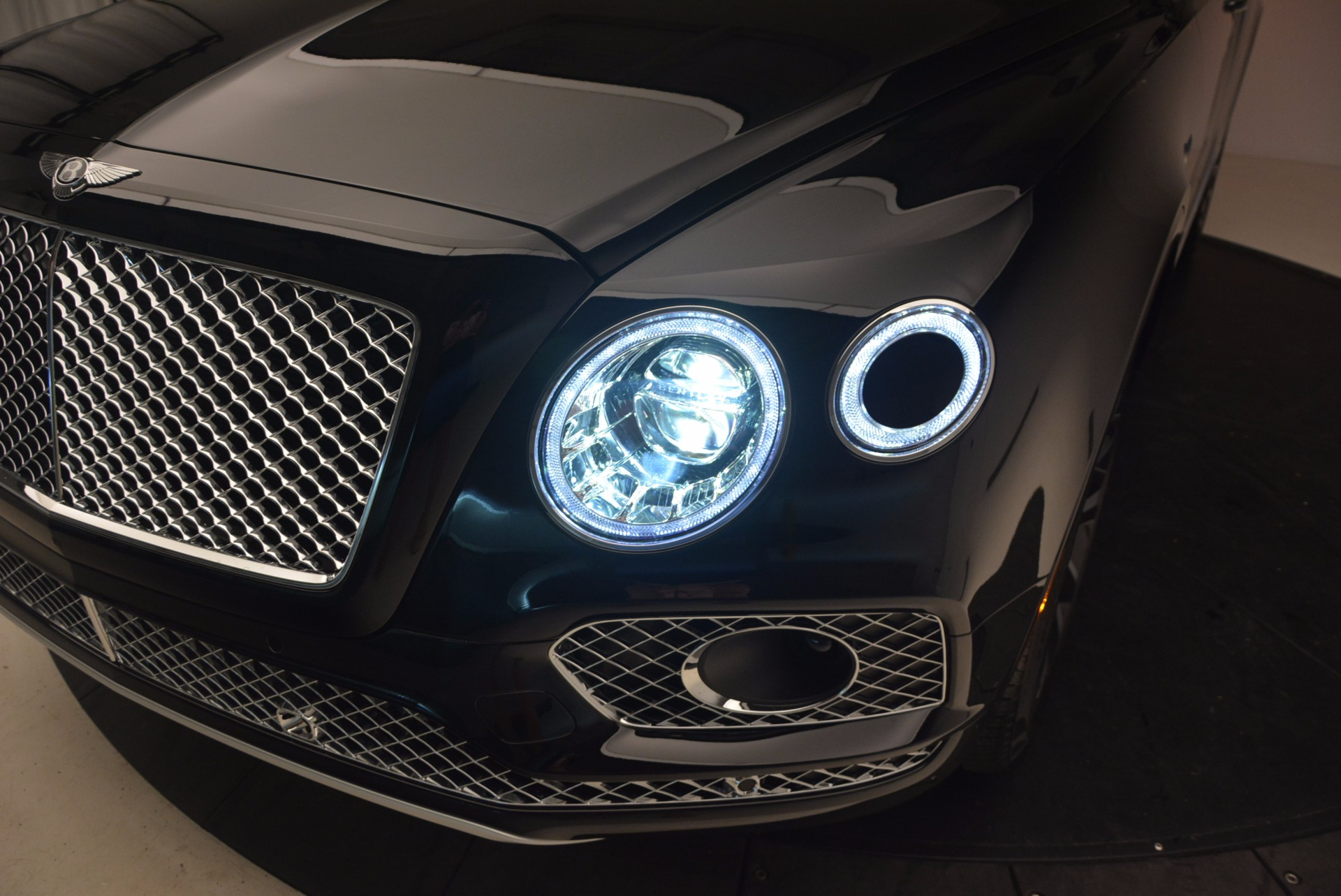New 2017 Bentley Bentayga  For Sale In Westport, CT 1140_p19