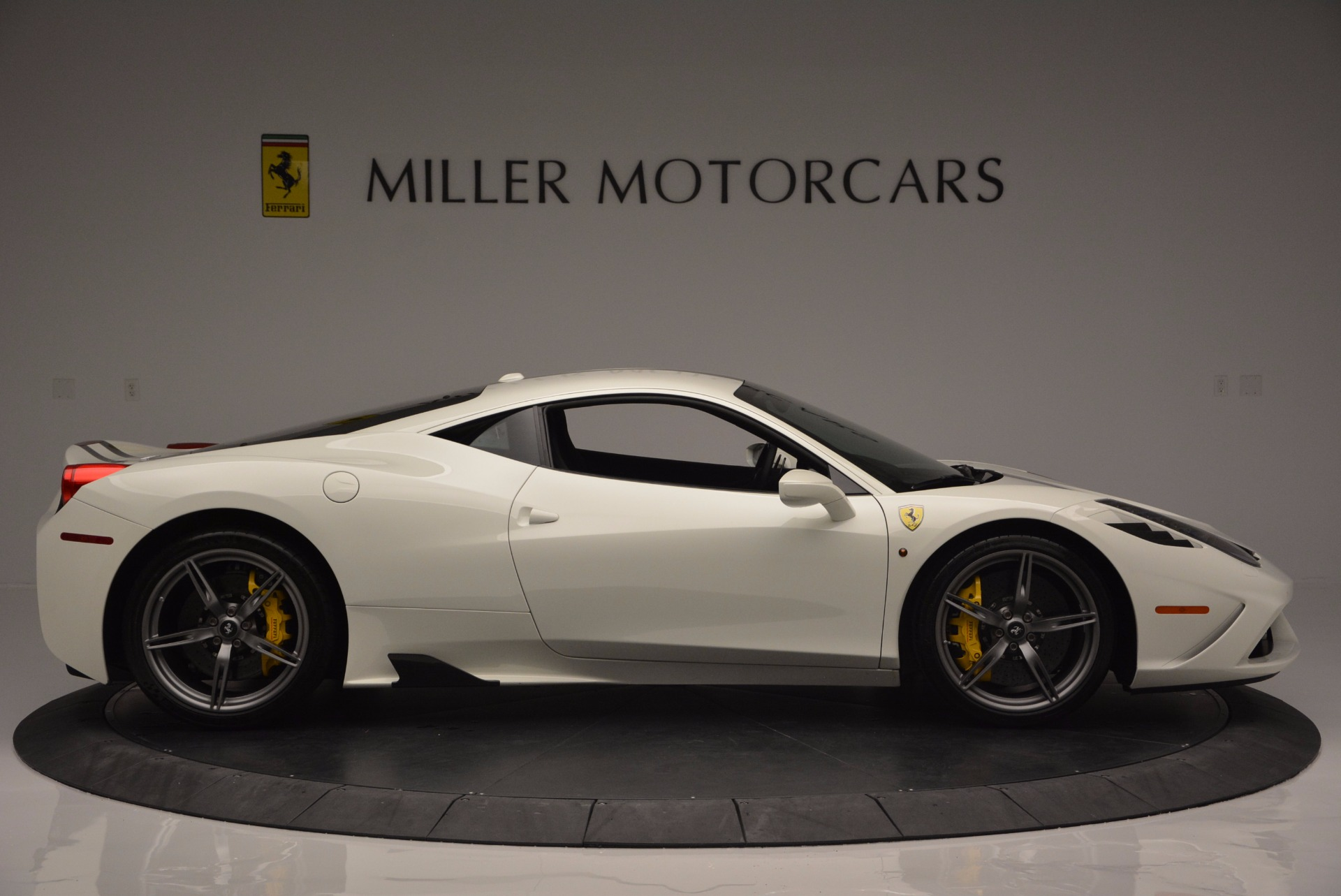 Used 2015 Ferrari 458 Speciale  For Sale In Westport, CT 1147_p10