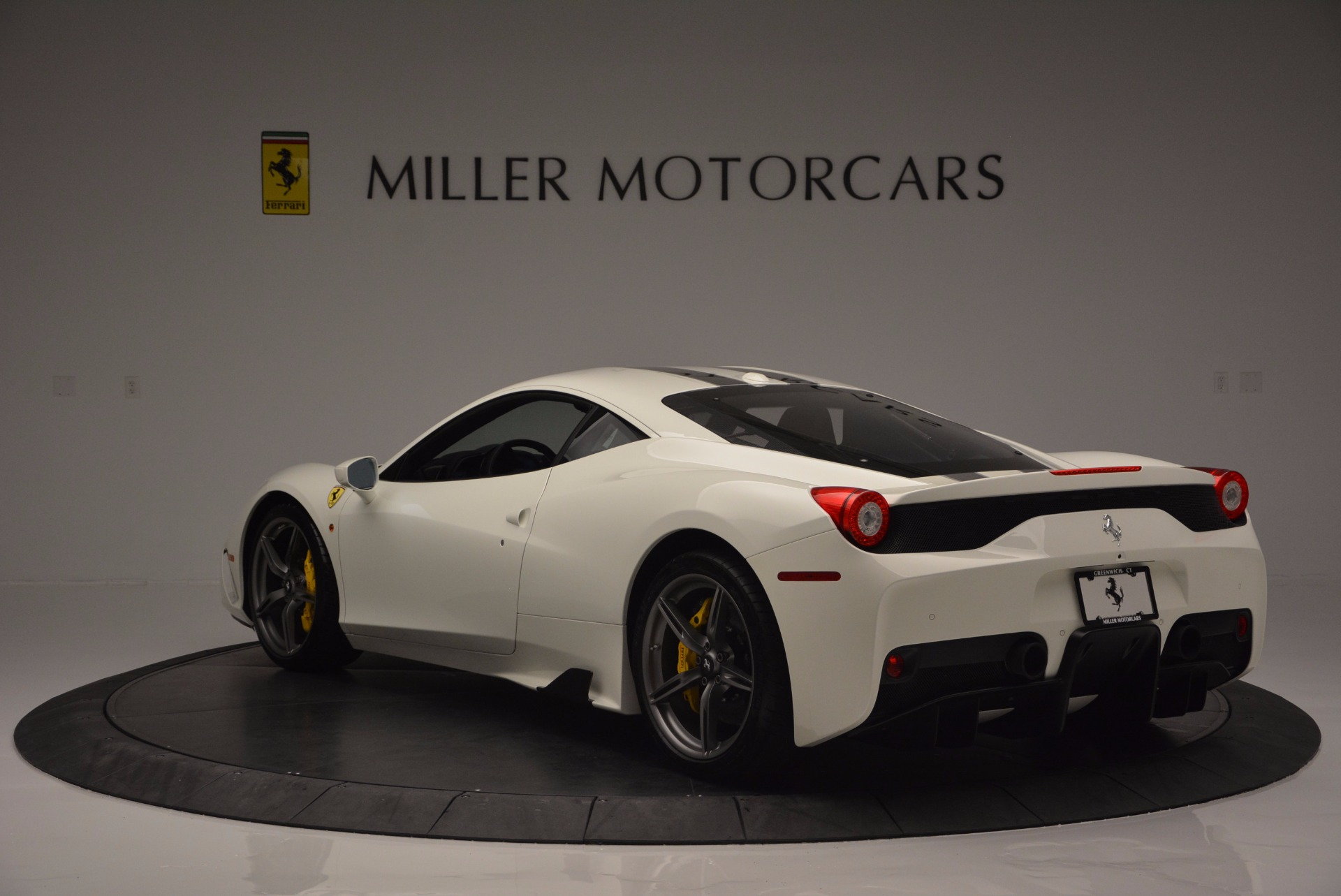 Used 2015 Ferrari 458 Speciale  For Sale In Westport, CT 1147_p5