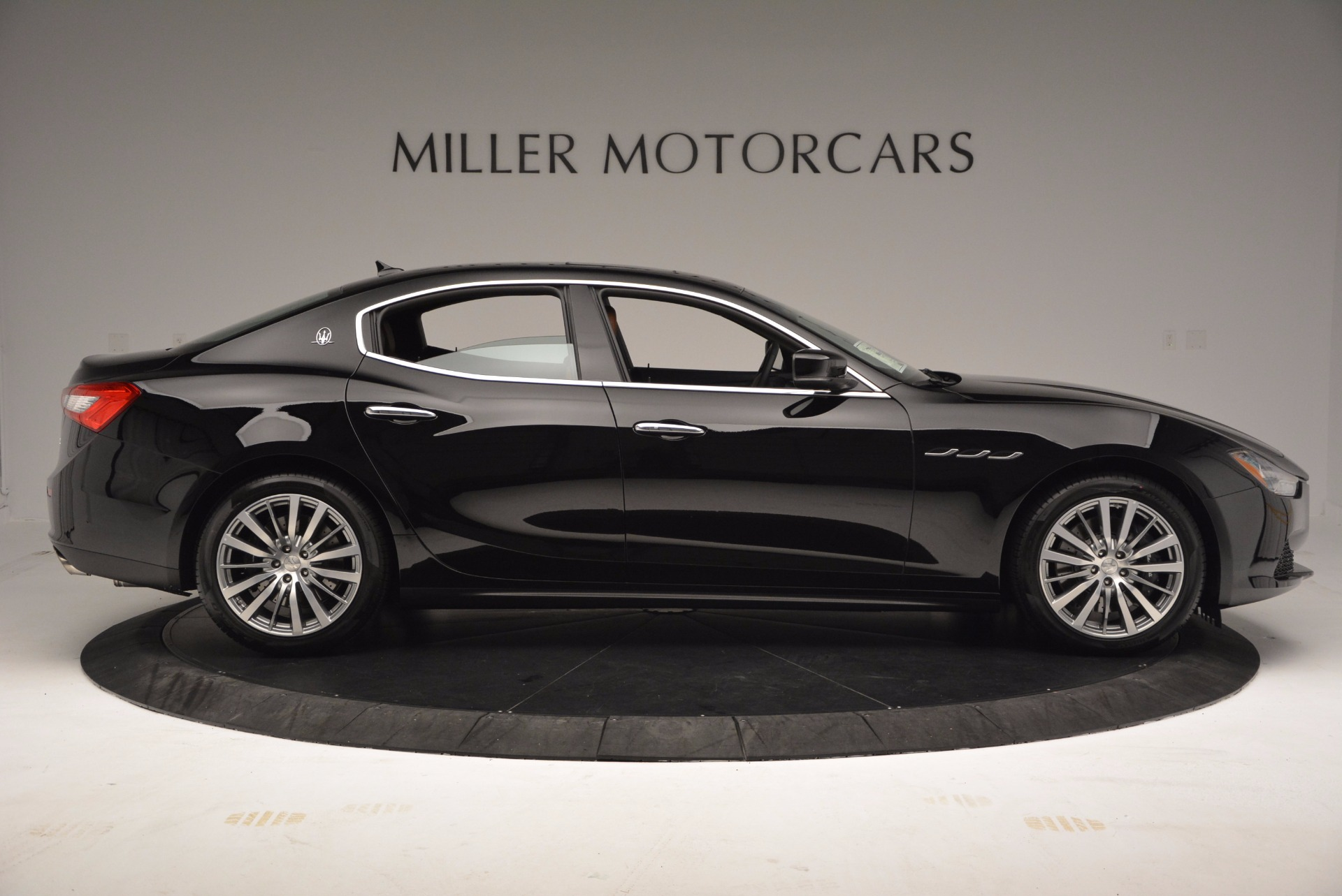 Used 2017 Maserati Ghibli SQ4 S Q4 Ex-Loaner For Sale In Westport, CT 1168_p9