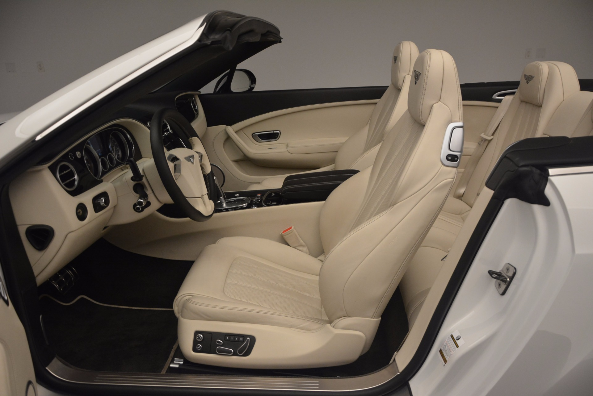 Used 2015 Bentley Continental GT V8 S For Sale In Westport, CT 1175_p35