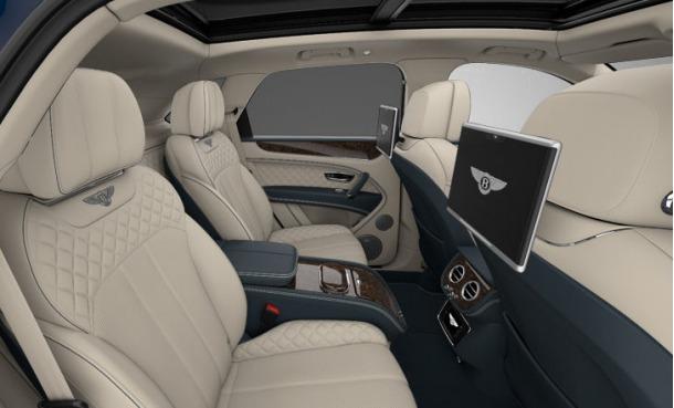 Used 2017 Bentley Bentayga  For Sale In Westport, CT 1195_p7
