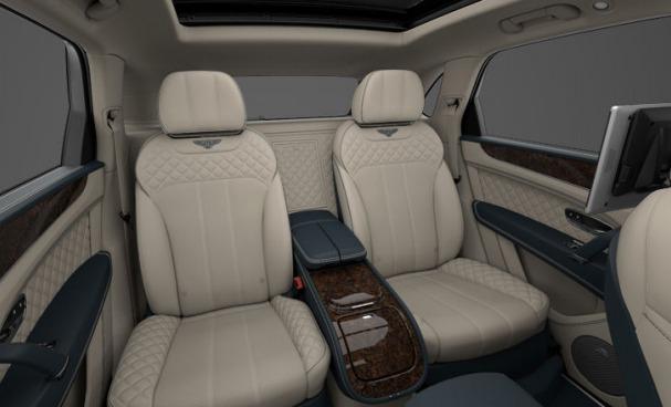 Used 2017 Bentley Bentayga  For Sale In Westport, CT 1195_p8