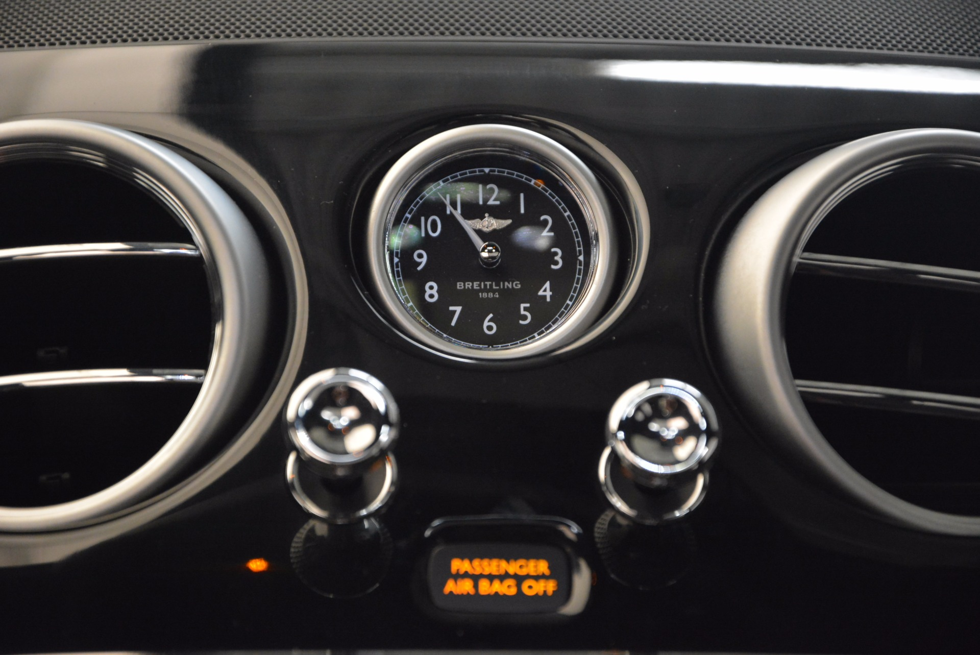 Used 2015 Bentley Flying Spur V8 For Sale In Westport, CT 1199_p30