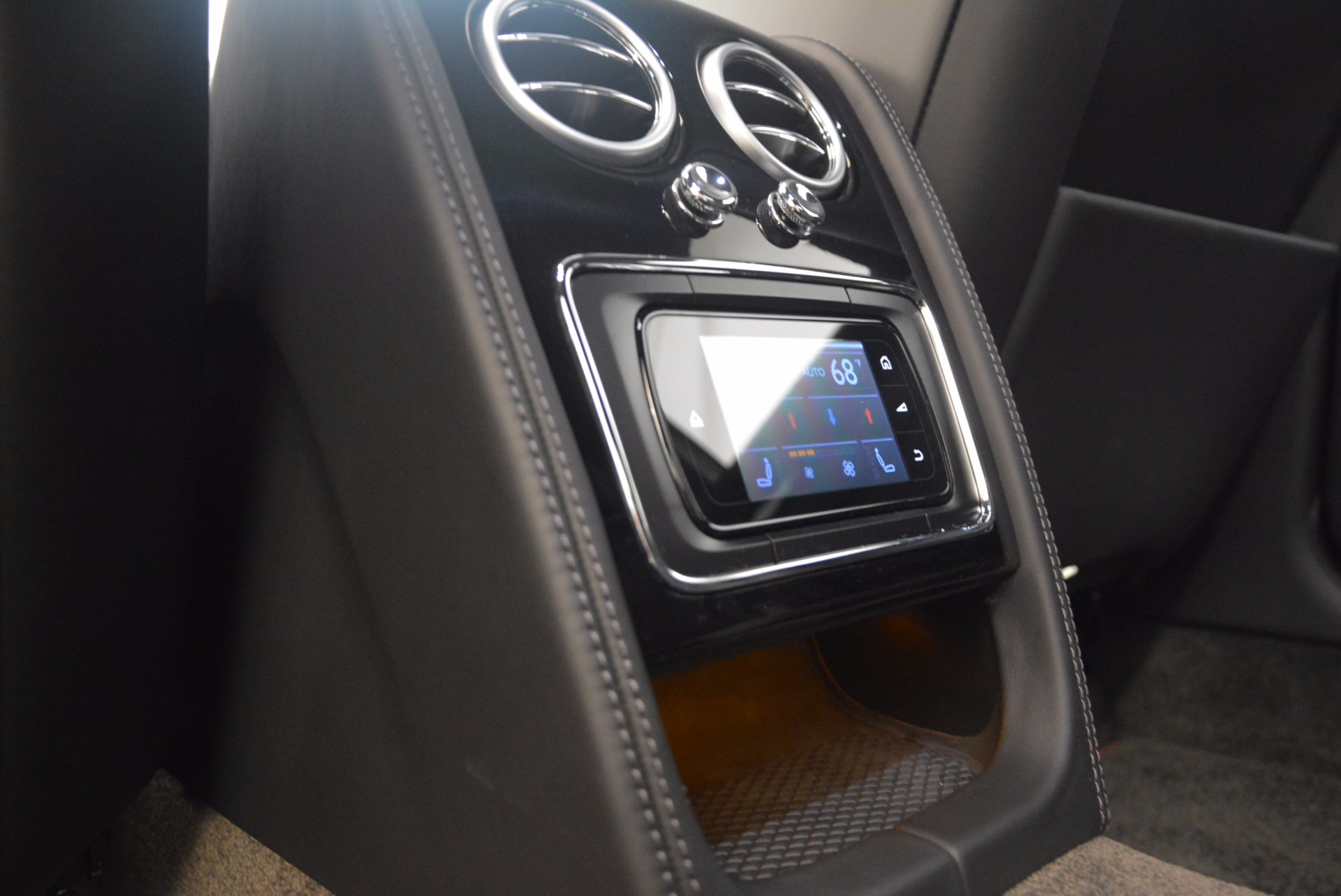 Used 2015 Bentley Flying Spur V8 For Sale In Westport, CT 1199_p38
