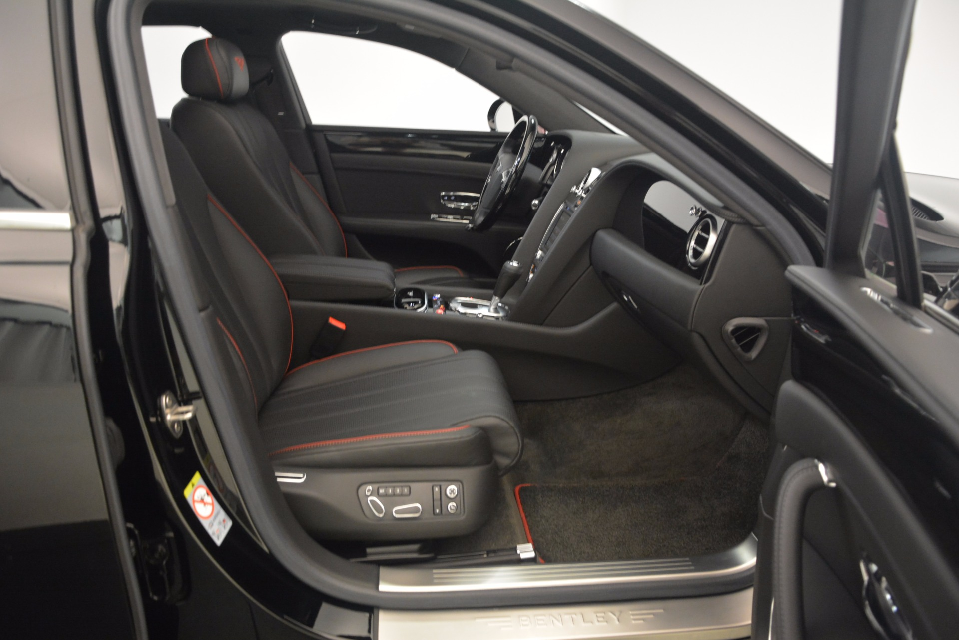 Used 2015 Bentley Flying Spur V8 For Sale In Westport, CT 1199_p42