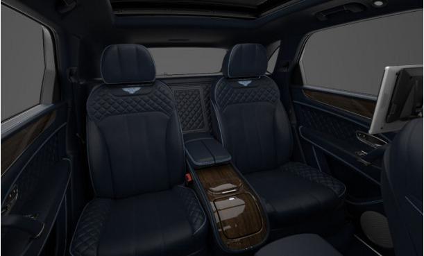 Used 2017 Bentley Bentayga  For Sale In Westport, CT 1212_p8