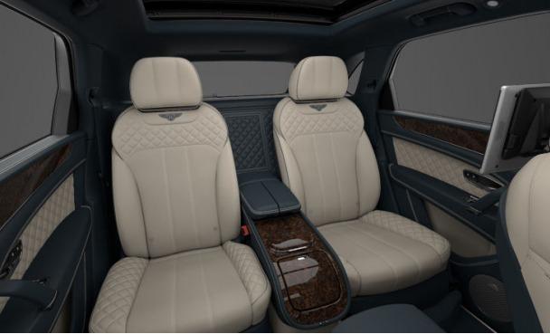 Used 2017 Bentley Bentayga  For Sale In Westport, CT 1213_p8