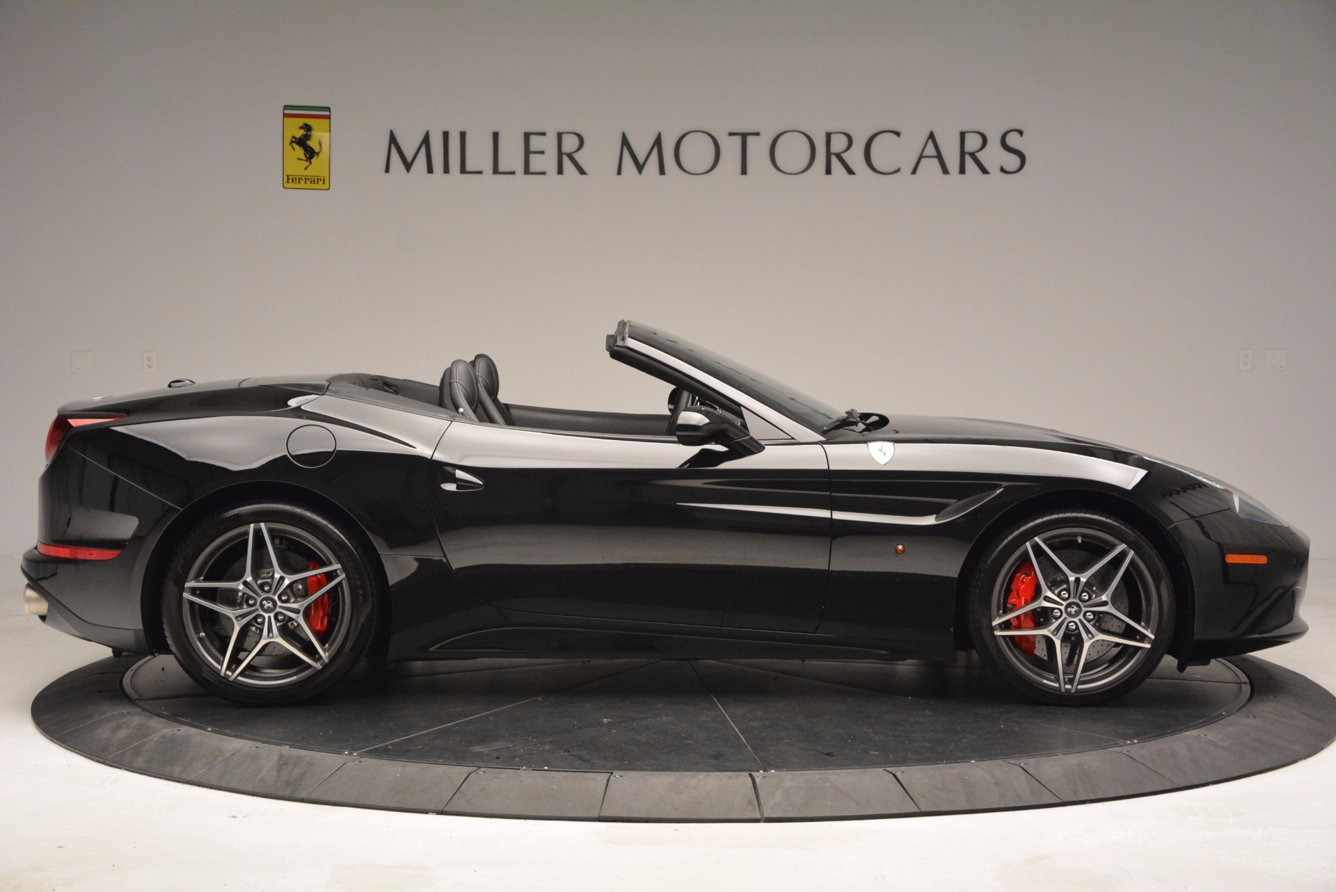 Used 2015 Ferrari California T  For Sale In Westport, CT 1218_p10