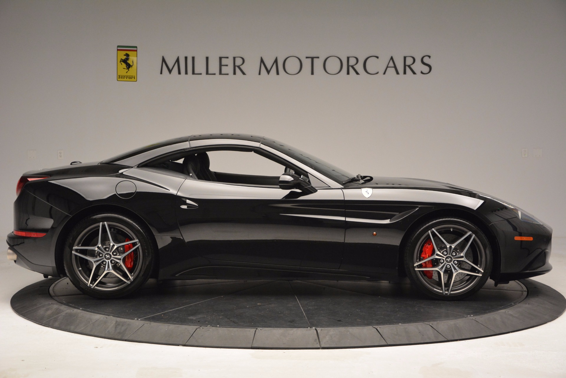 Used 2015 Ferrari California T  For Sale In Westport, CT 1218_p21