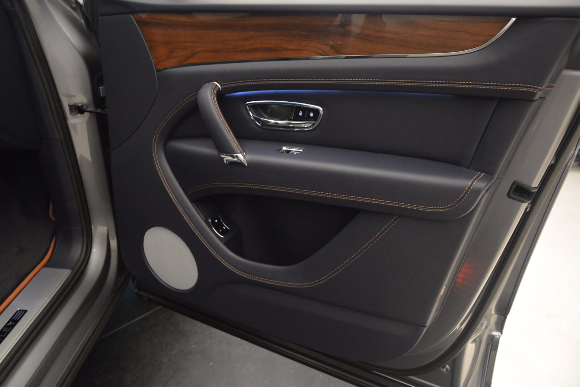 New 2018 Bentley Bentayga Onyx For Sale In Westport, CT 1220_p37
