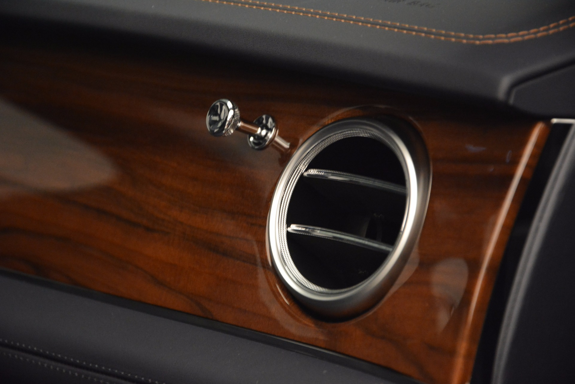 New 2018 Bentley Bentayga Onyx For Sale In Westport, CT 1220_p46