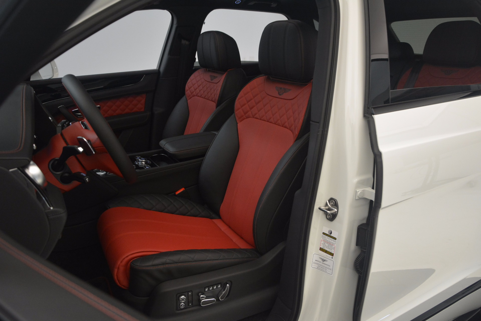 New 2018 Bentley Bentayga Black Edition For Sale In Westport, CT 1221_p37