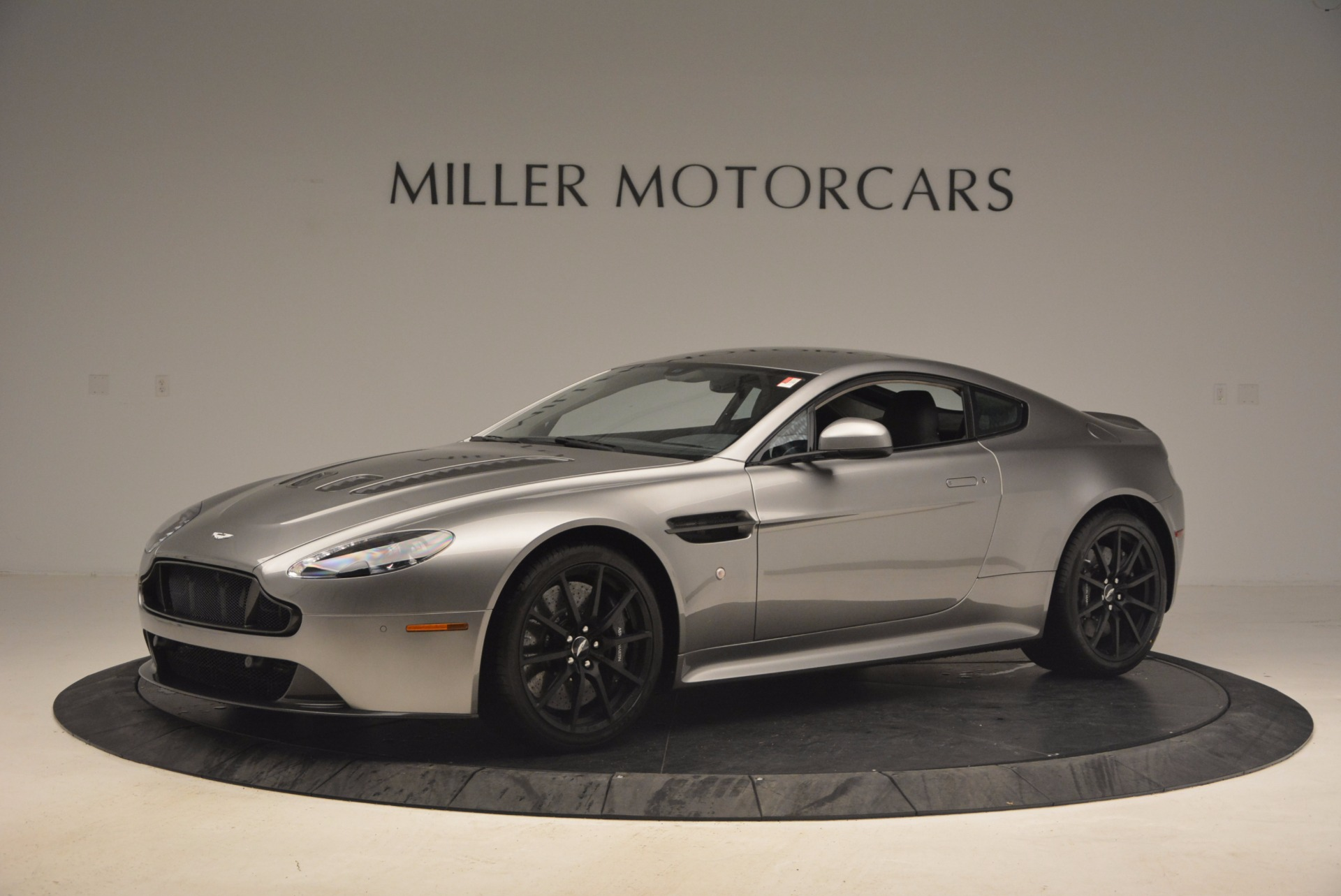 Used 2017 Aston Martin V12 Vantage S  For Sale In Westport, CT 1223_p2