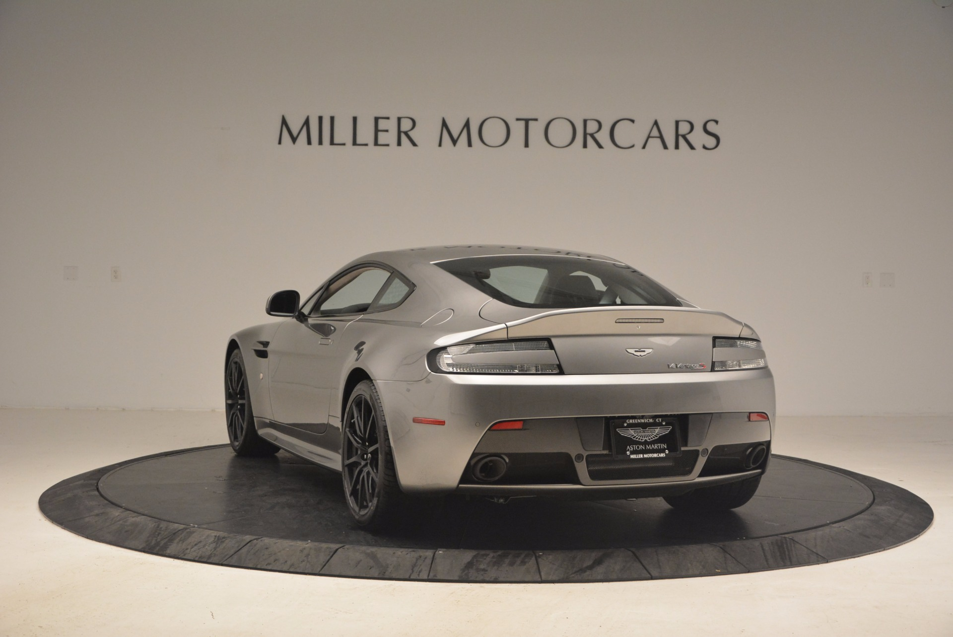 Used 2017 Aston Martin V12 Vantage S  For Sale In Westport, CT 1223_p5