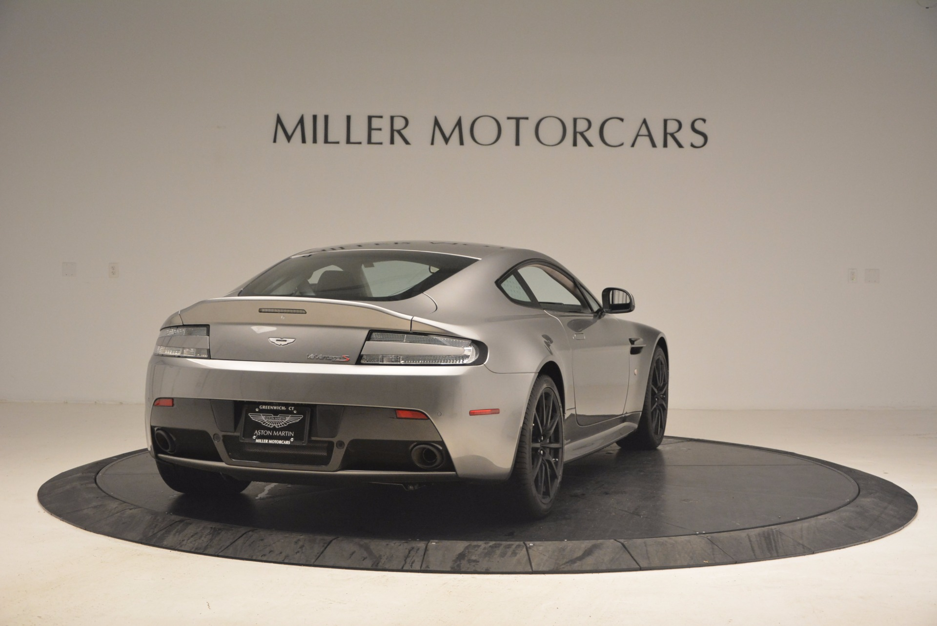 Used 2017 Aston Martin V12 Vantage S  For Sale In Westport, CT 1223_p7