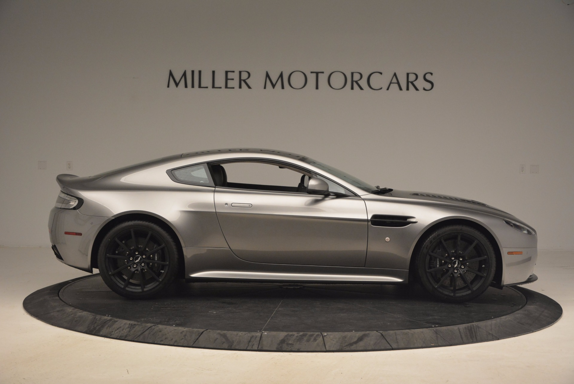 Used 2017 Aston Martin V12 Vantage S  For Sale In Westport, CT 1223_p9