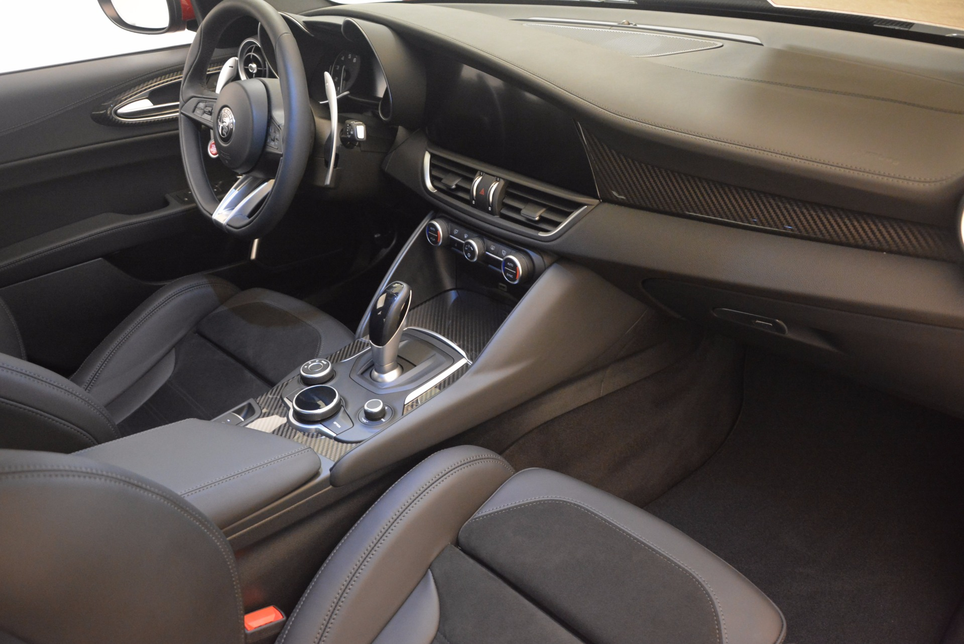 New 2017 Alfa Romeo Giulia Quadrifoglio Quadrifoglio For Sale In Westport, CT 1226_p20