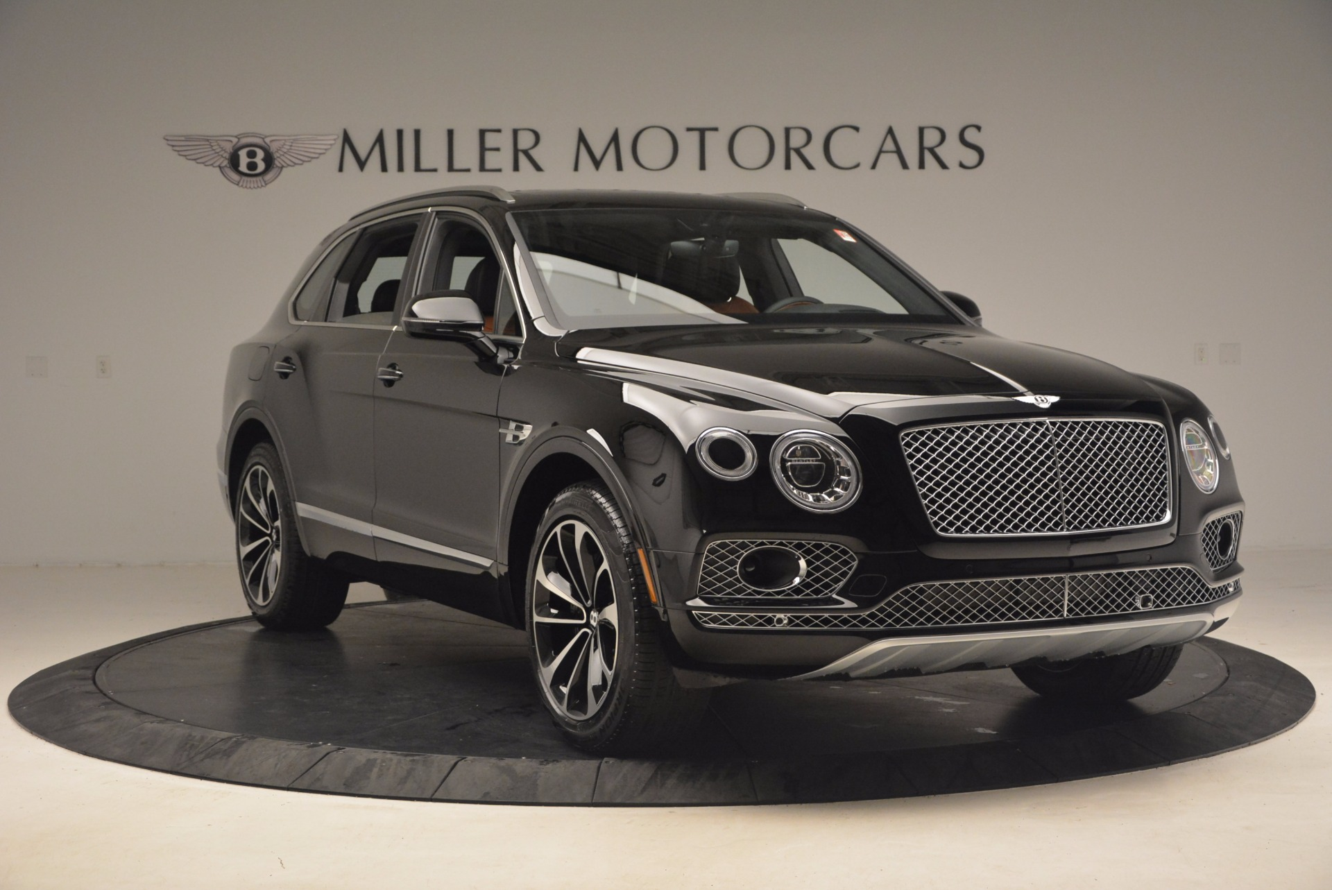 New 2018 Bentley Bentayga Activity Edition-Now with seating for 7!!! For Sale In Westport, CT 1255_p11